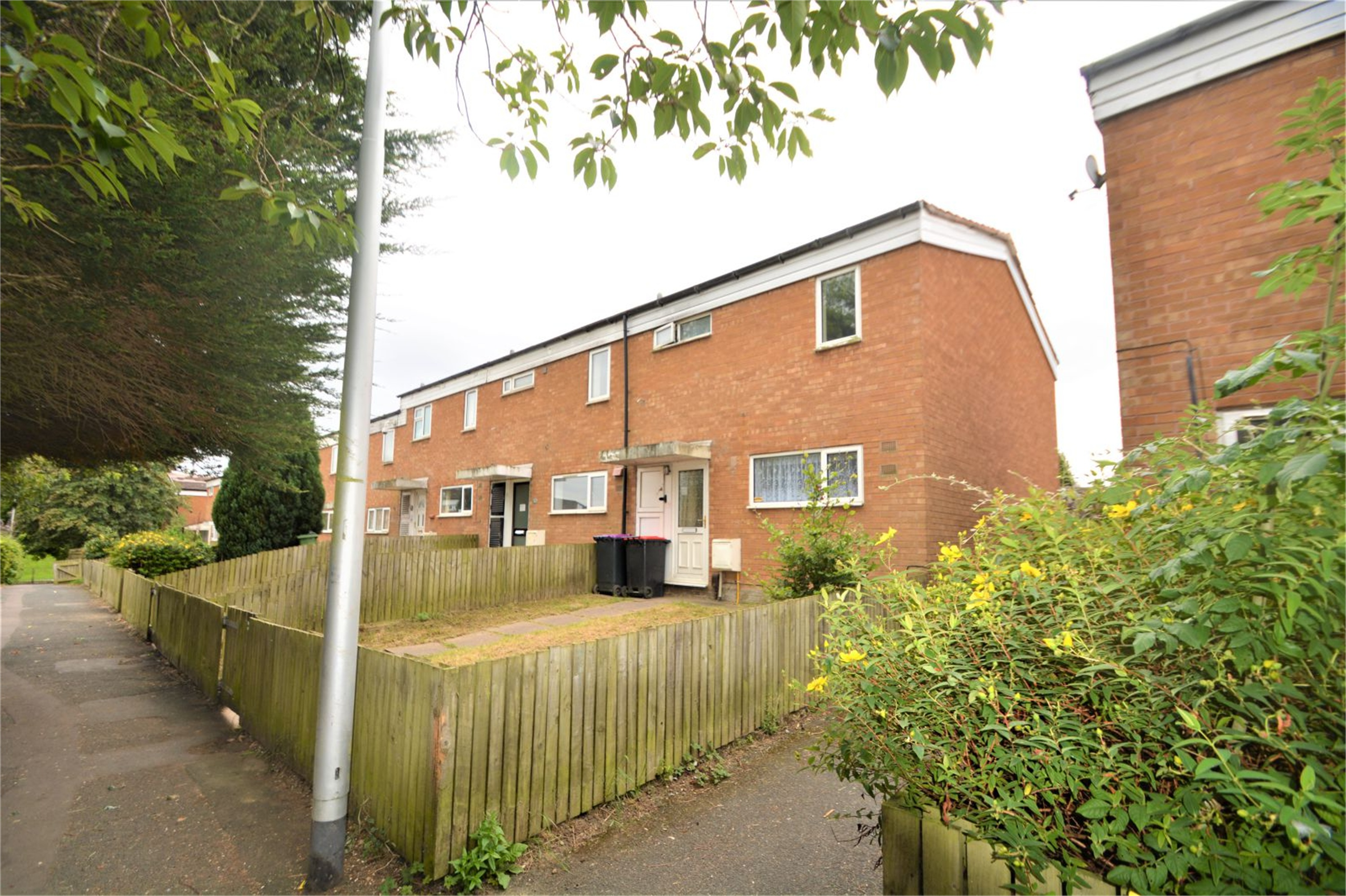 3 Bedrooms Terraced House for sale in 53 Weybridge, Woodside, Telford, Shropshire, TF7