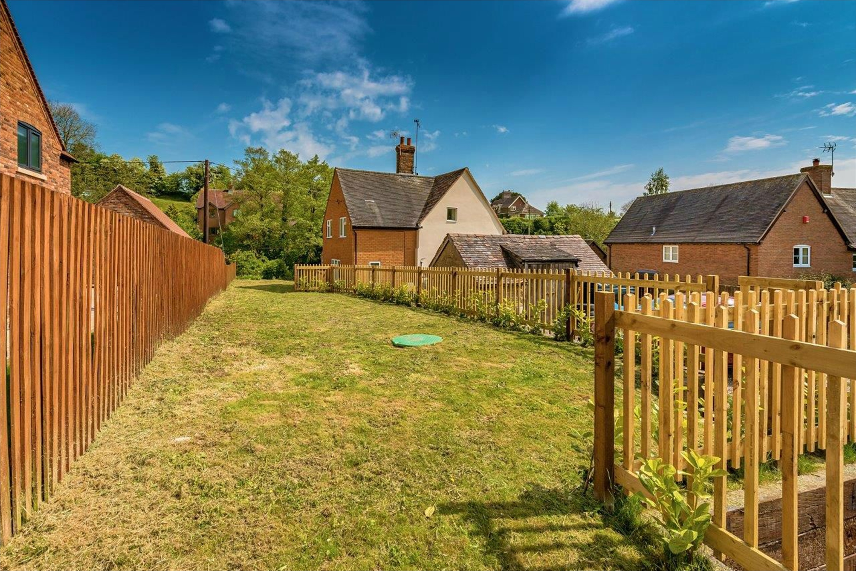 3 Bedrooms Semi Detached House for sale in 3 Brockton, Much Wenlock, Shropshire, TF13