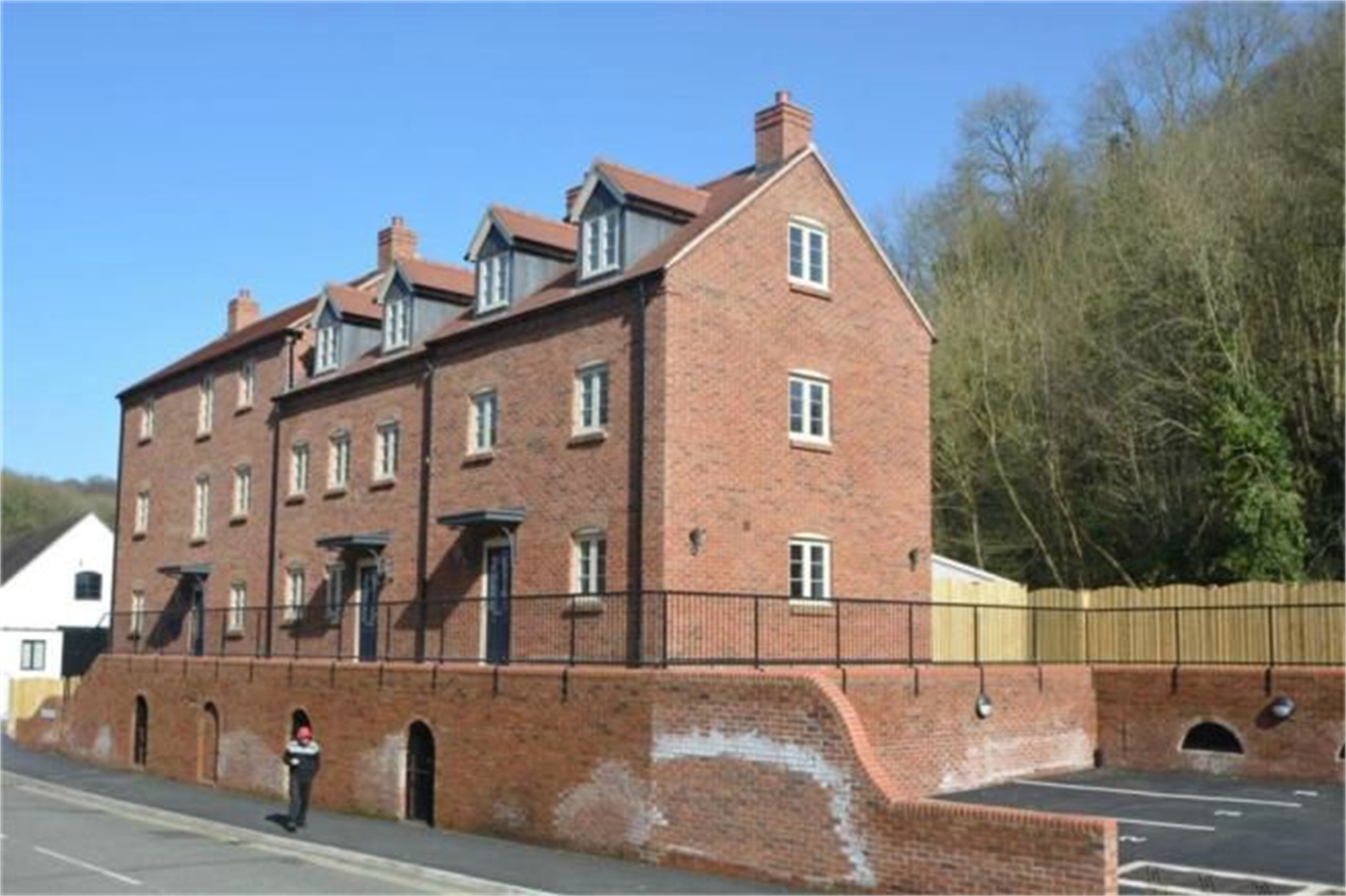3 Bedrooms End Of Terrace House for sale in 3 Foundry Mews, Dale End, Coalbrookdale, Telford, TF8