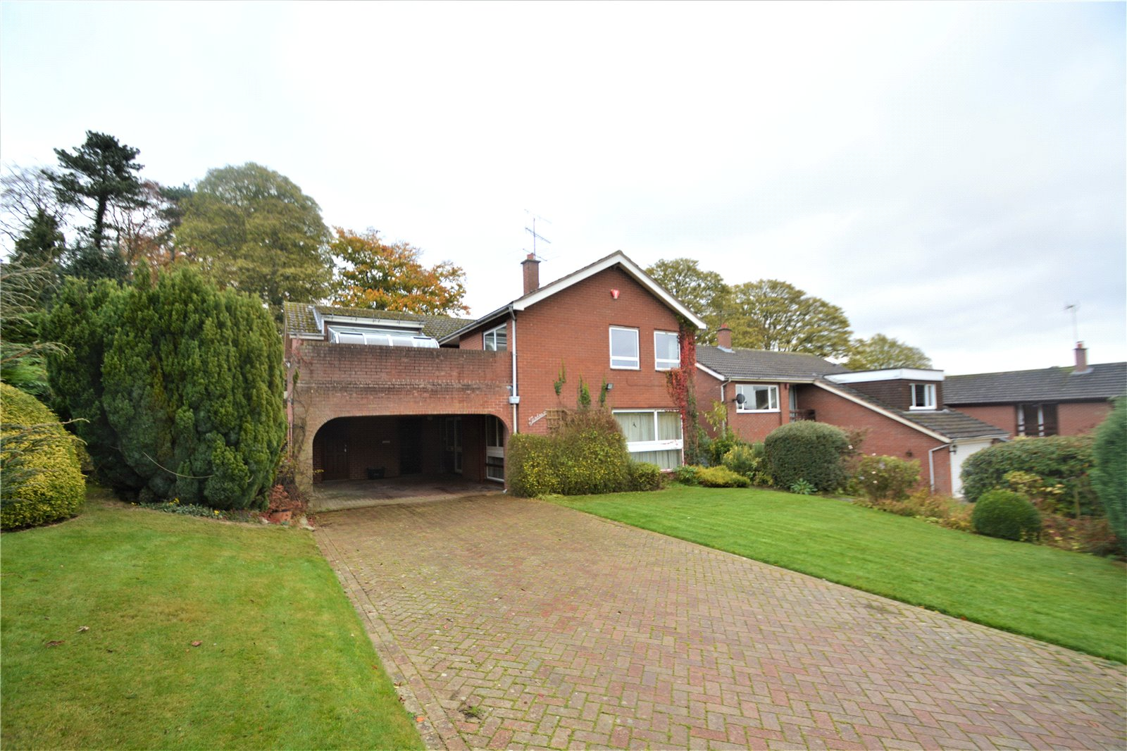 5 Bedrooms Detached House for sale in 10 Sytche Close, Much Wenlock, Shropshire, TF13