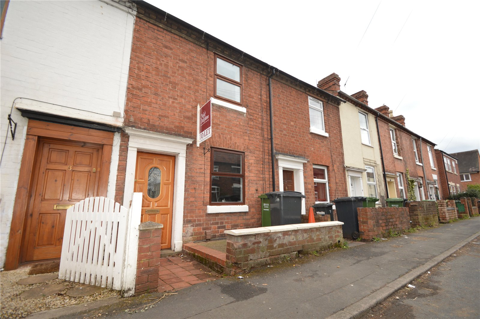 2 Bedrooms Terraced House for rent in 5 Villiers Street, Kidderminster, Worcester, DY10