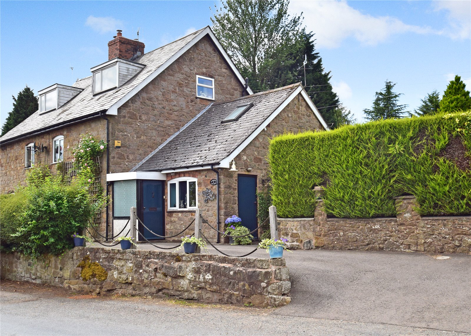 2 Clematis Cottage, Hopton Bank, Hopton Wafers, Kidderminster, DY14