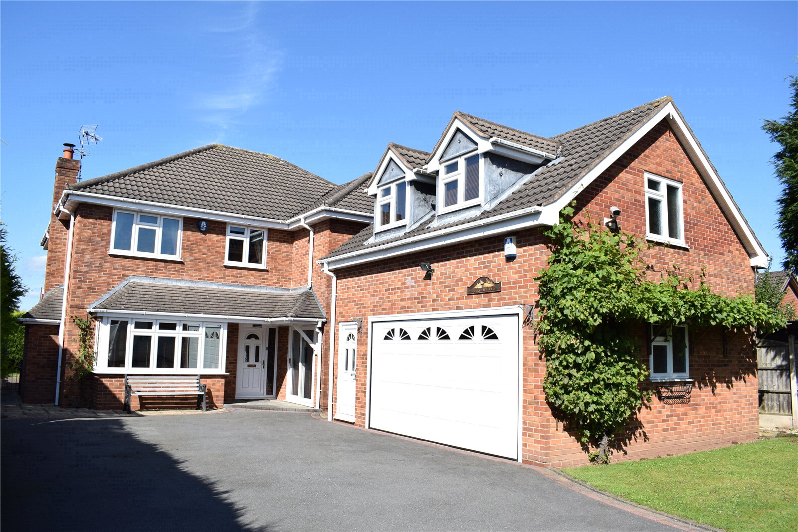110 Yellowhammer Court, Kidderminster, Worcestershire, DY10