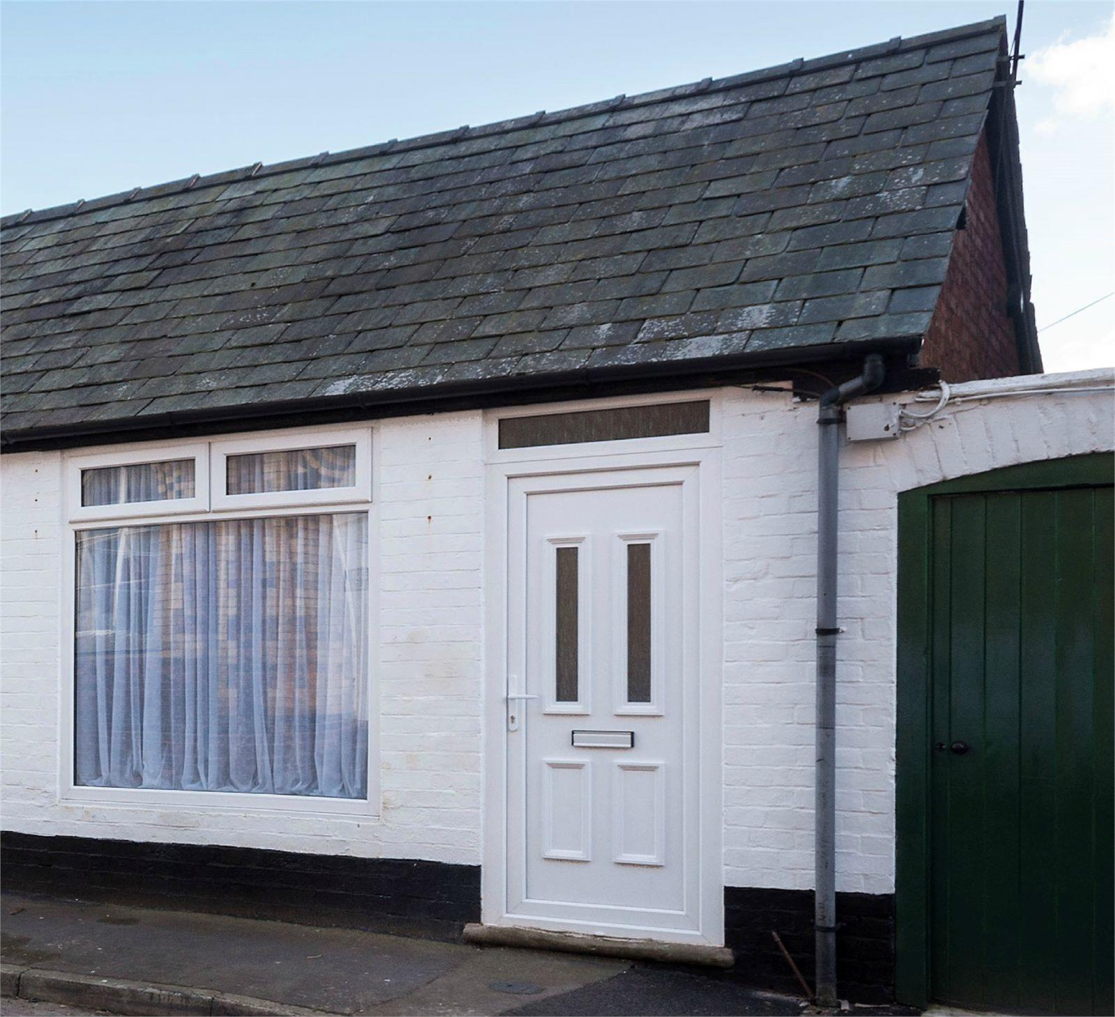 1 Bedroom Semi Detached Bungalow for sale in 8 Dale Street, Craven Arms, Shropshire, SY7