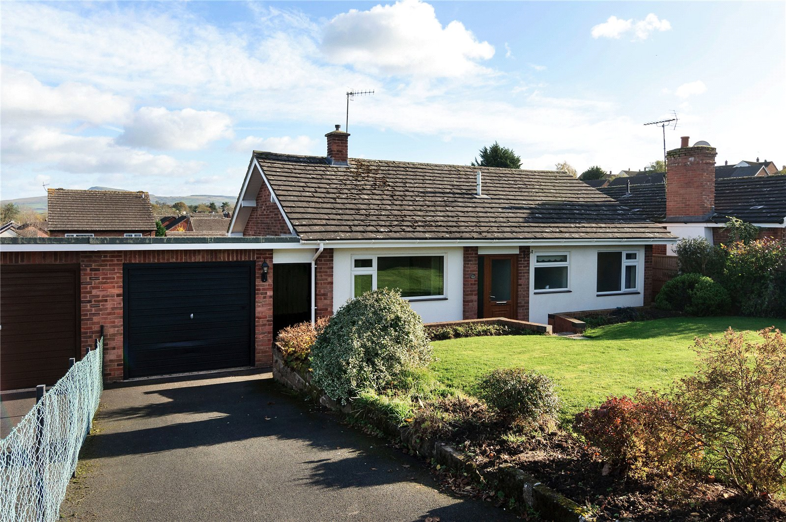 2 Bedrooms Bungalow for sale in 31 Bringewood Road, Ludlow, Shropshire, SY8