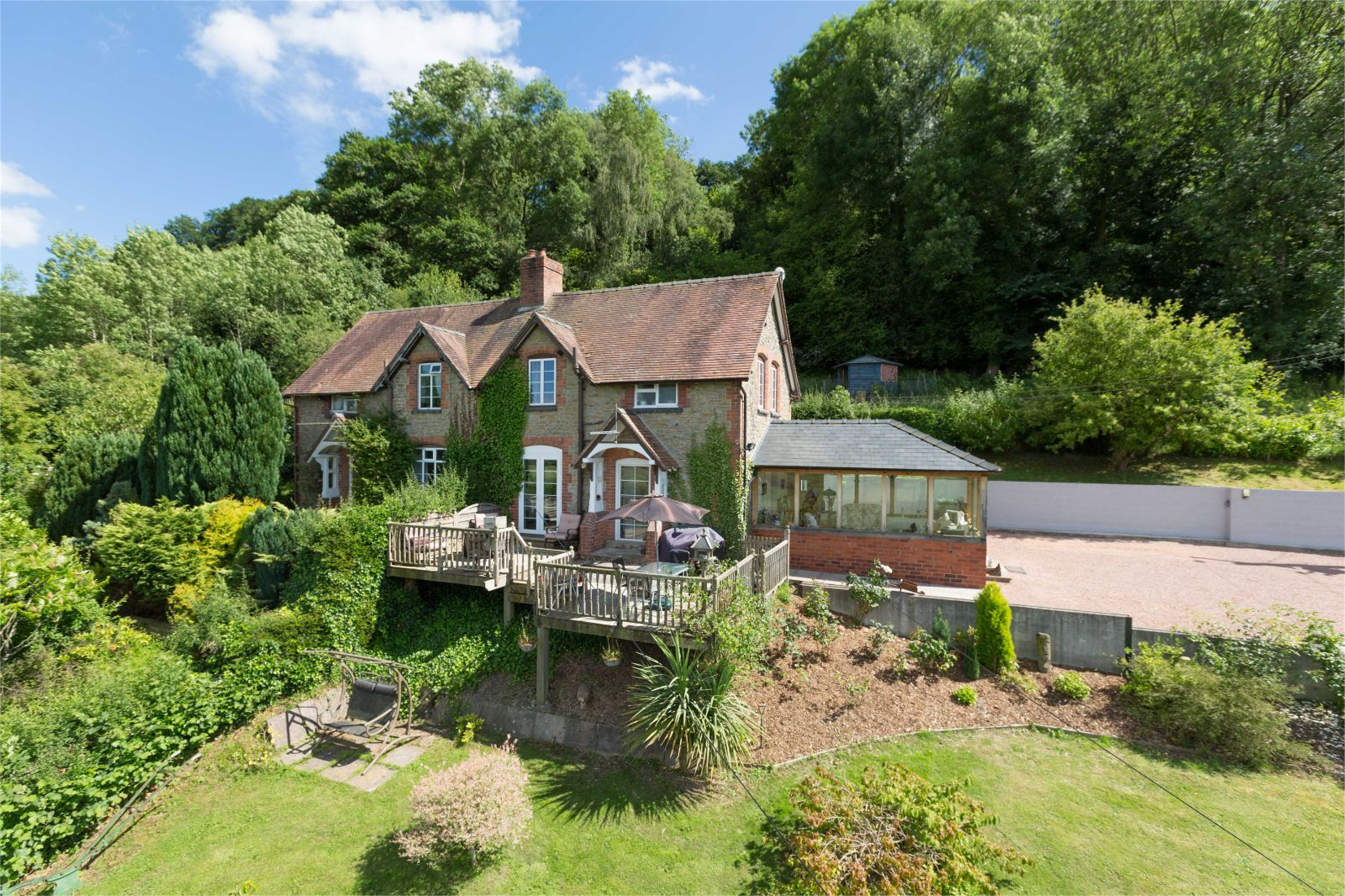 3 Bedrooms Semi Detached House for sale in 2 New Cottages, Leinthall Starkes, Ludlow, Shropshire, SY8