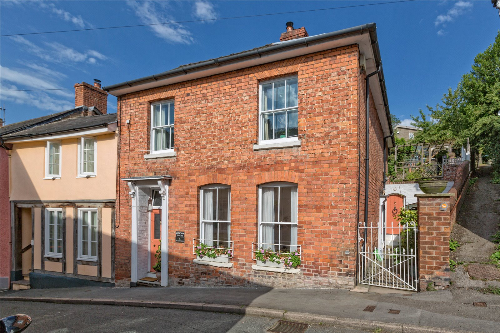 London House, 5 Bull Street, Bishops Castle, Shropshire, SY9