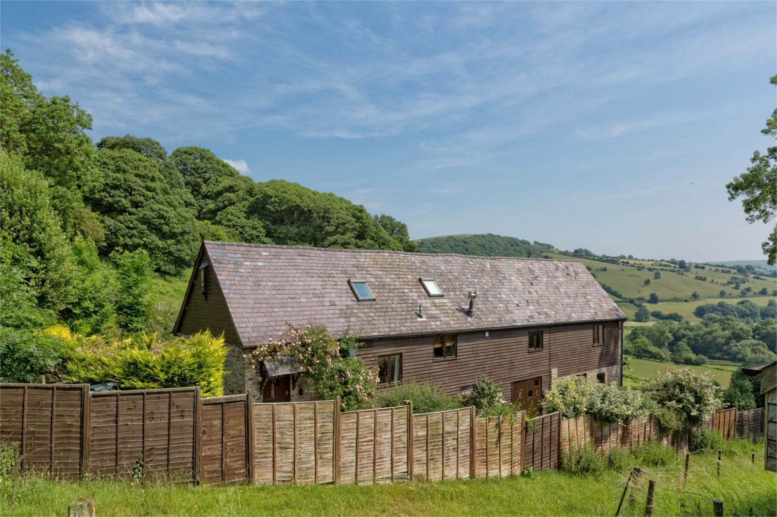 5 Bedrooms Barn Conversion Character Property for sale in Tyn-Y-Cefn Barn, Lloyney, Knighton, Powys, LD7
