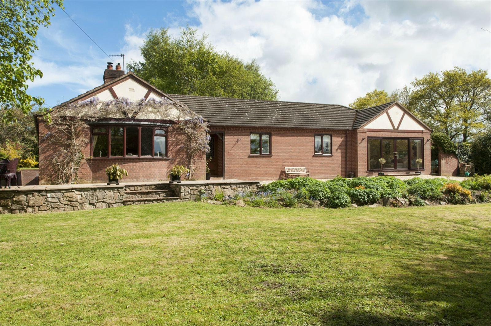 3 Bedrooms Detached Bungalow for sale in Lyndale, Bushmoor, Shropshire, SY7