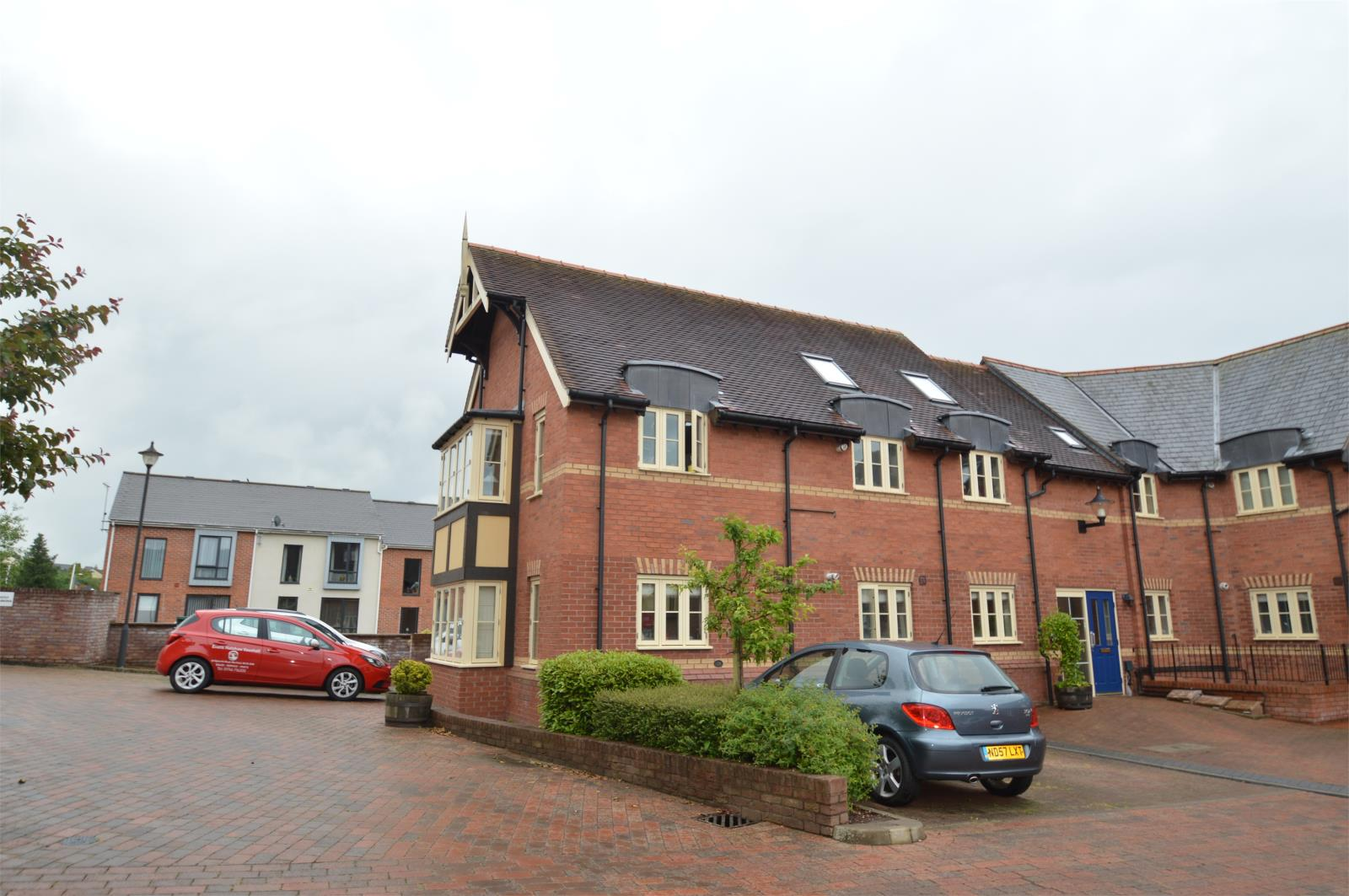 2 Bedrooms Flat Share for rent in 30 Townsend Close, Ludlow, Shropshire, SY8