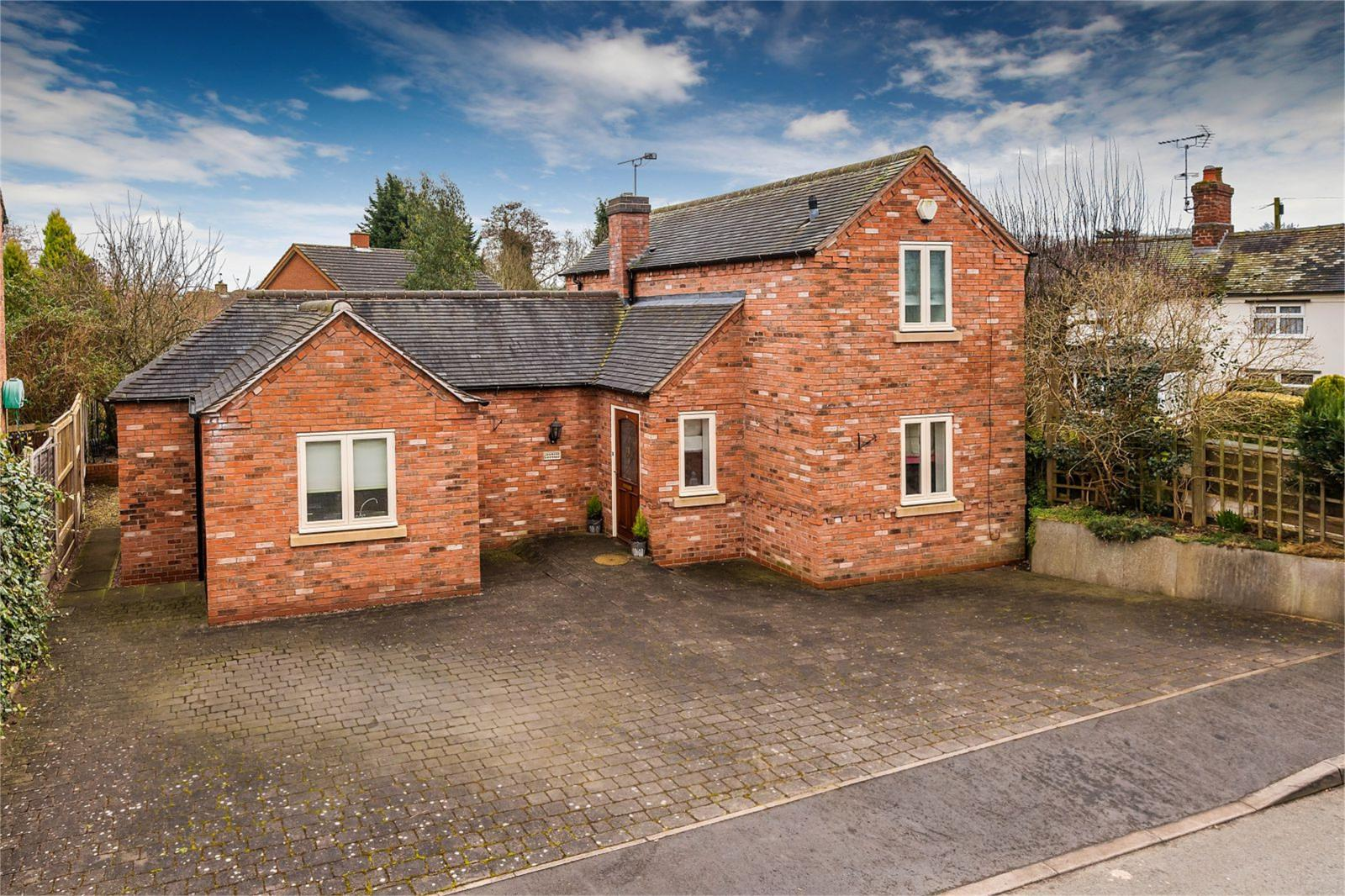 3 Bedrooms Detached House for sale in Jasmine Cottage, Cross Street, Gnosall, ST20