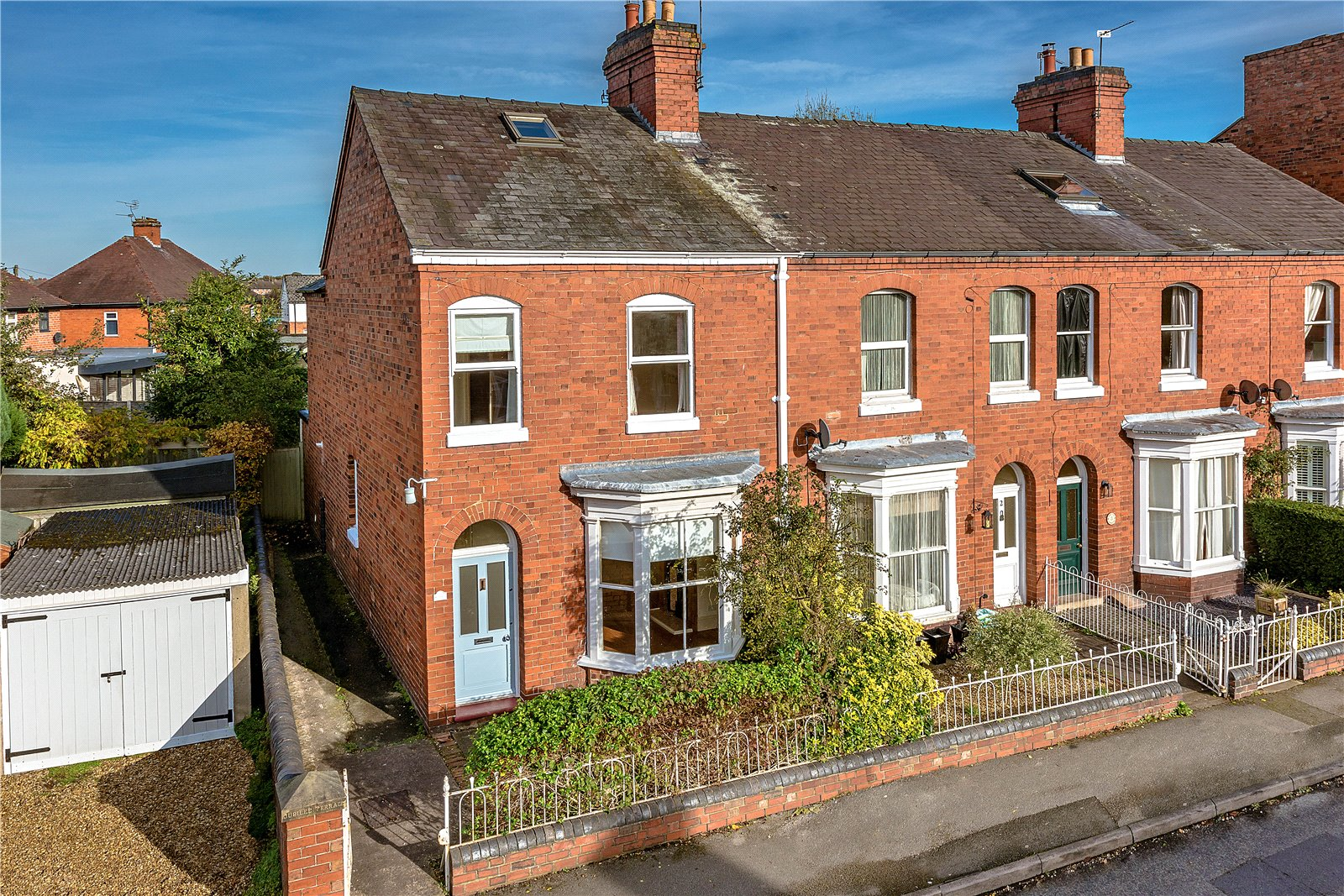 3 Bedrooms End Of Terrace House for sale in 1 Avenue Road South, Newport, Shropshire, TF10