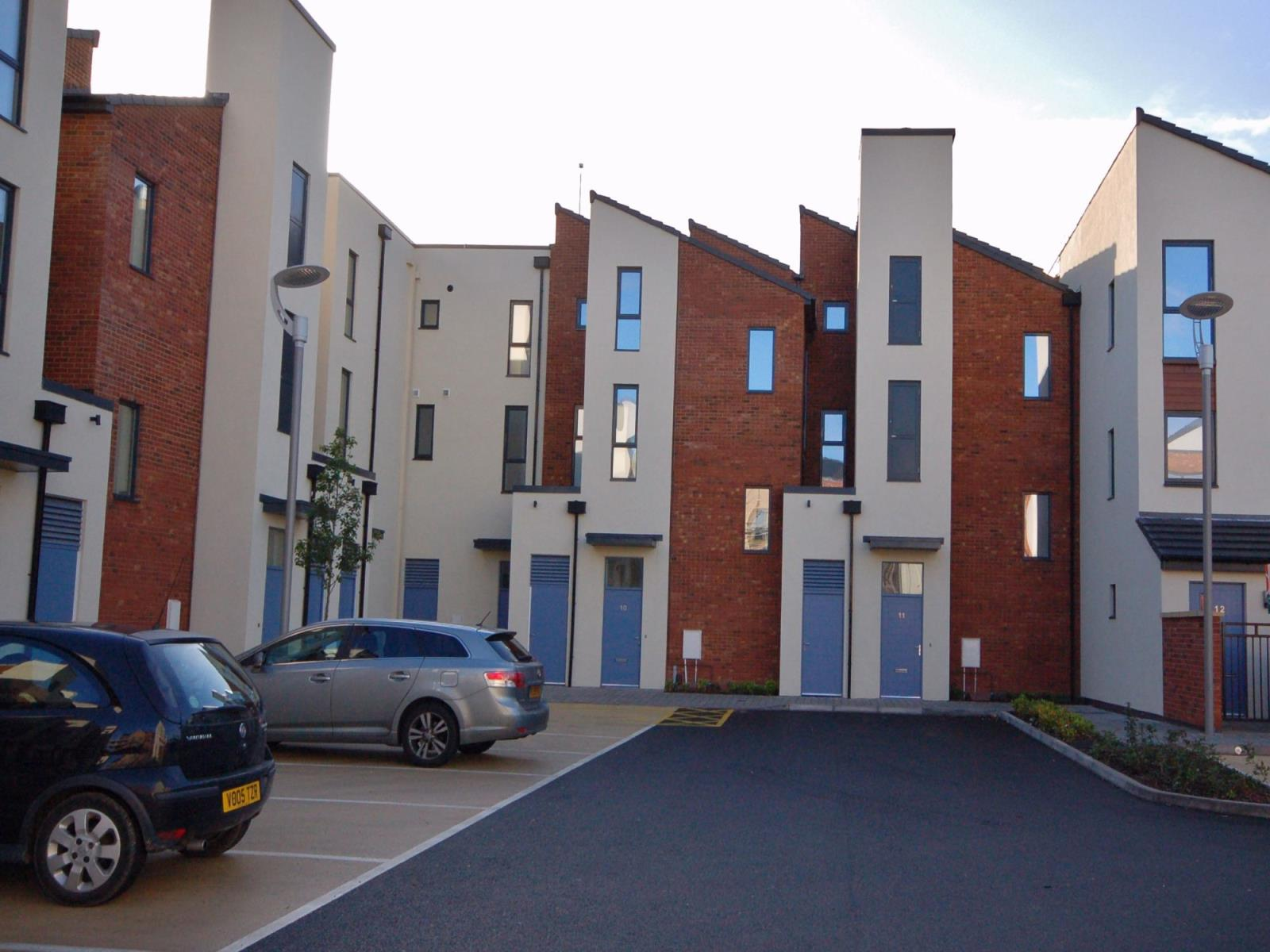 2 Bedrooms Flat for rent in 10 Barrack Close, Telford, TF3