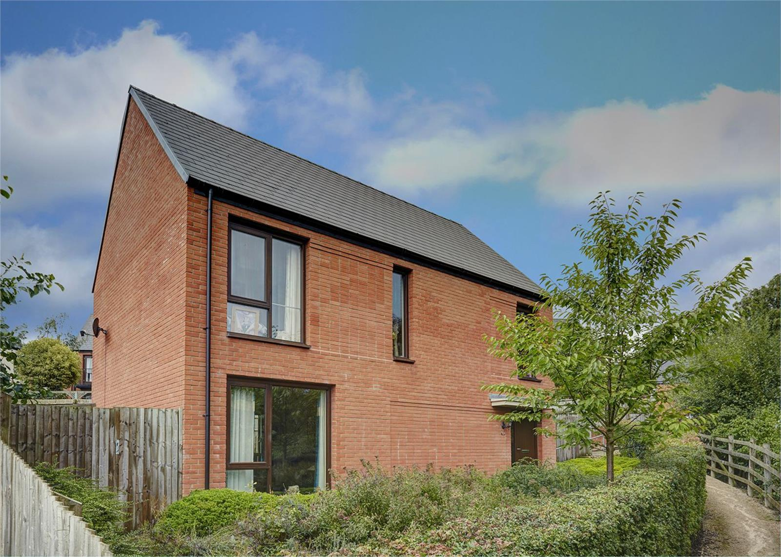 4 Bedrooms Detached House for sale in 33 Partridge Drive, Ketley, Telford, Shropshire, TF1