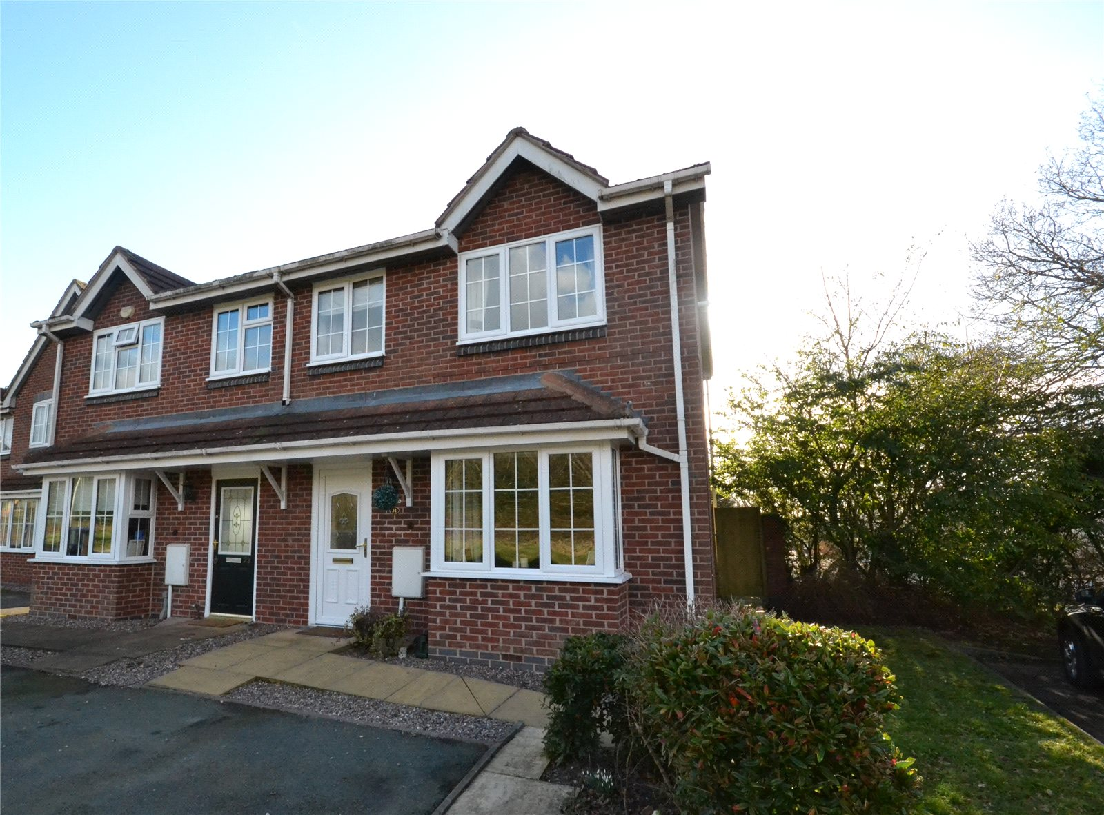 3 Bedrooms Semi Detached House for sale in 31 Snowdrop Meadow, Ketley, Telford, TF1