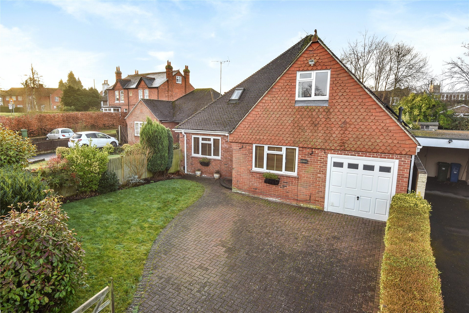 4 Bedrooms Detached House for sale in Crowthorne Road, Bracknell, Berkshire, RG12