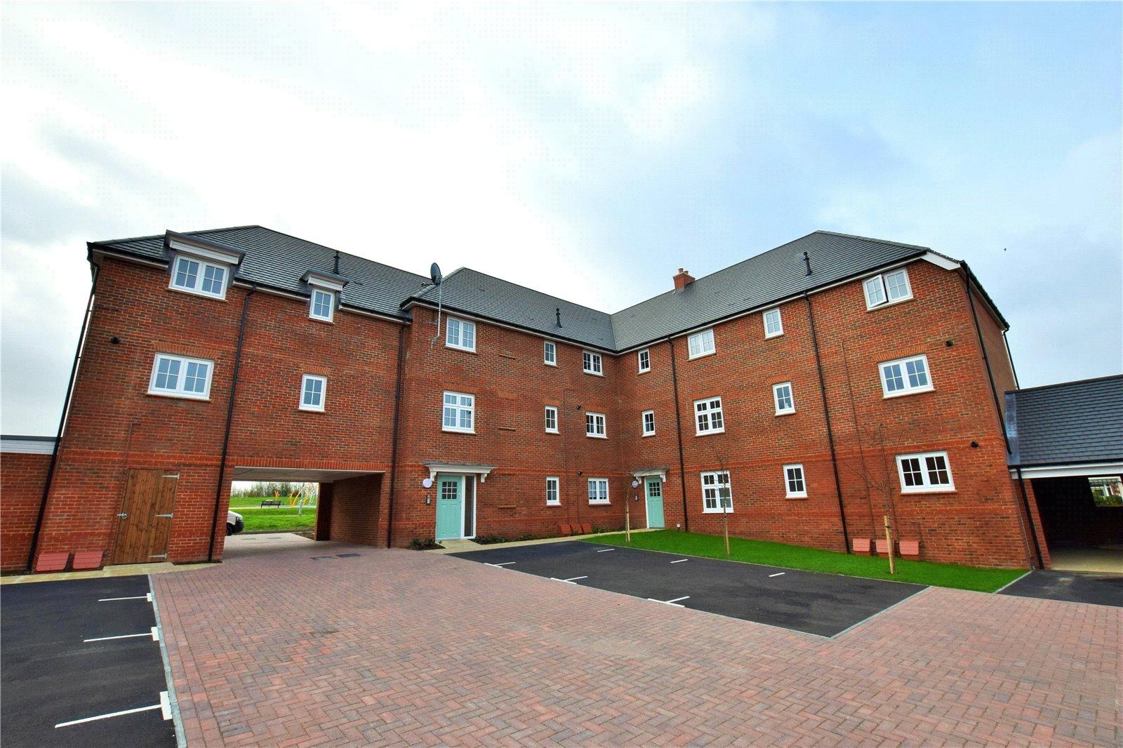 1 Bedroom Apartment Flat for sale in Falcon Way, Jennett's Park, Bracknell, Berkshire, RG12