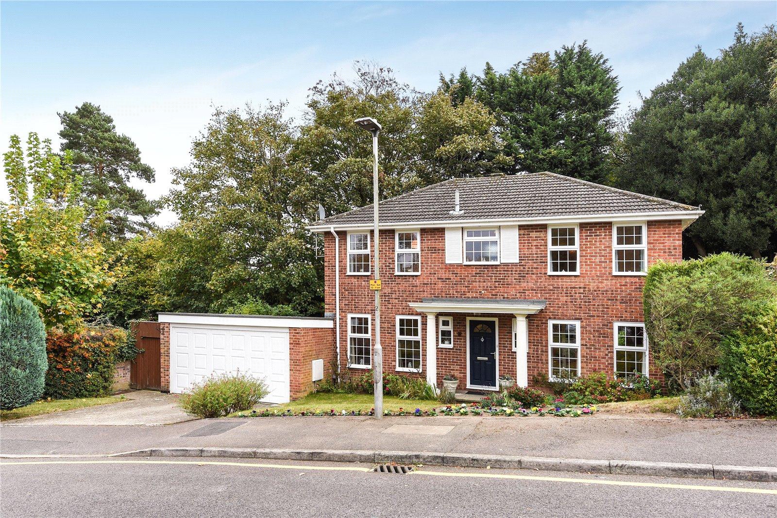 4 Bedrooms Detached House for sale in Beech Glen, Bracknell, Berkshire, RG12