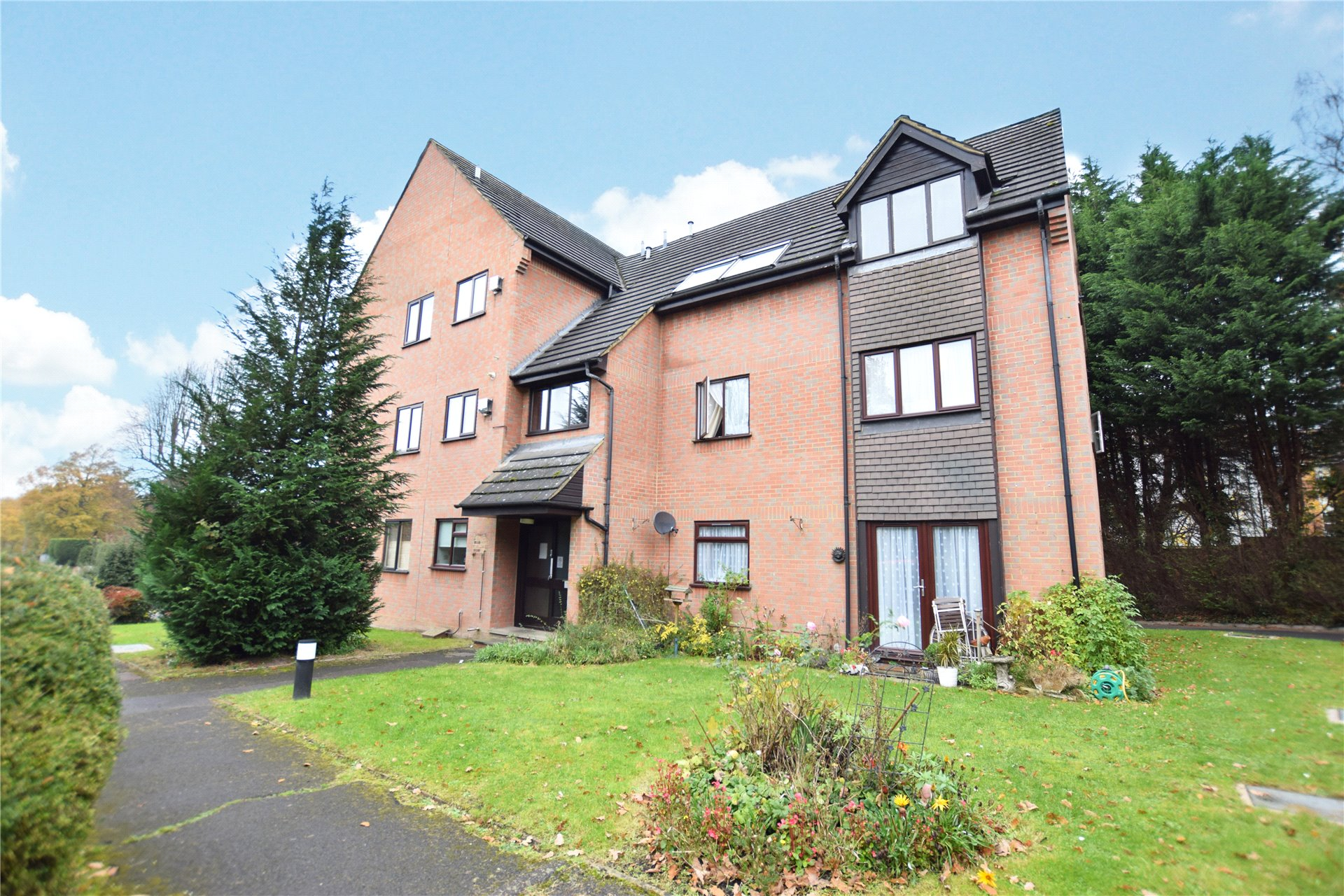 1 Bedroom Apartment Flat for sale in Acacia Court, Crowthorne Road, Bracknell, Berkshire, RG12