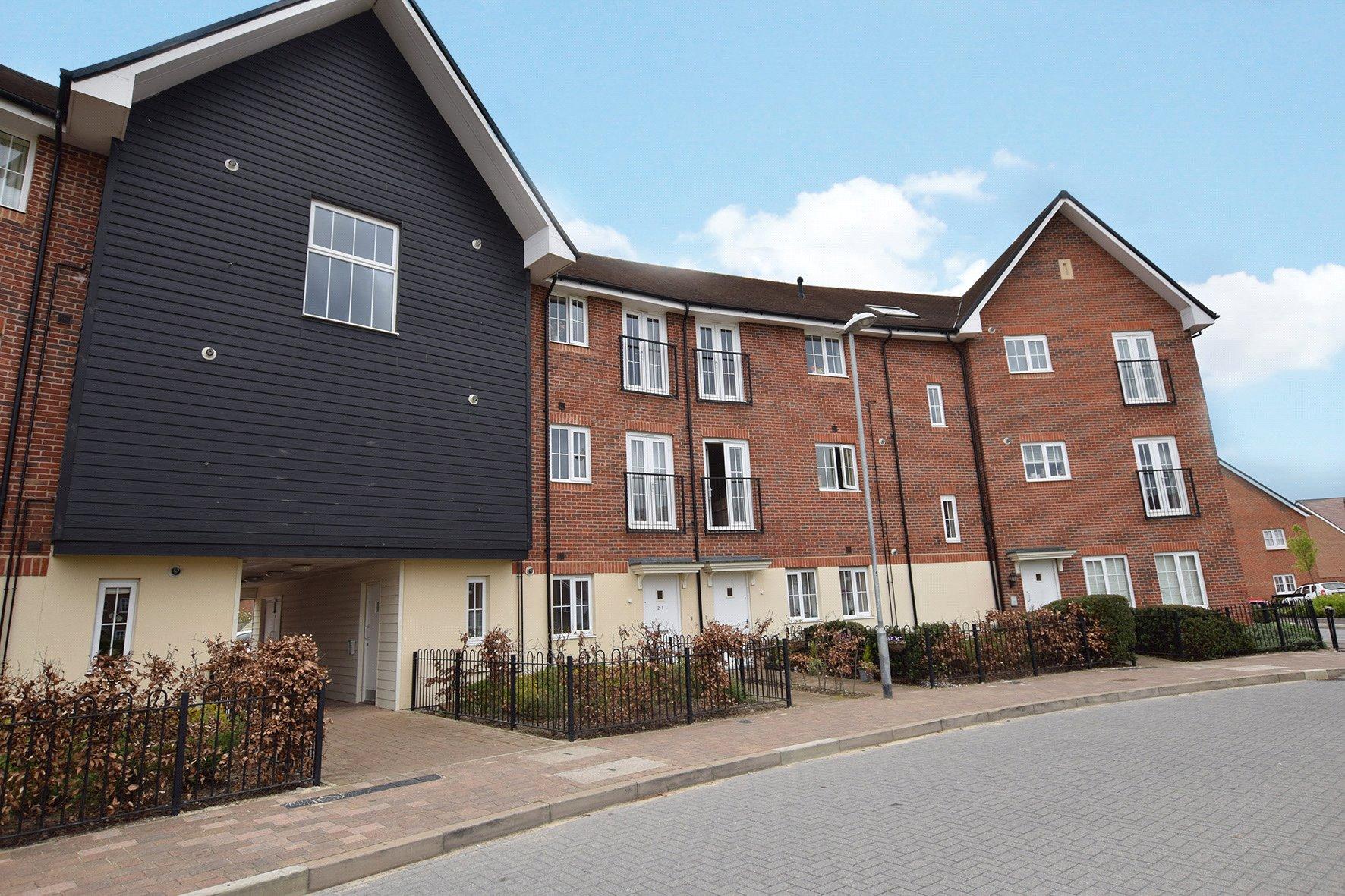 1 Bedroom Apartment Flat for sale in Fulmar Crescent, Jennett's Park, Bracknell, Berkshire, RG12