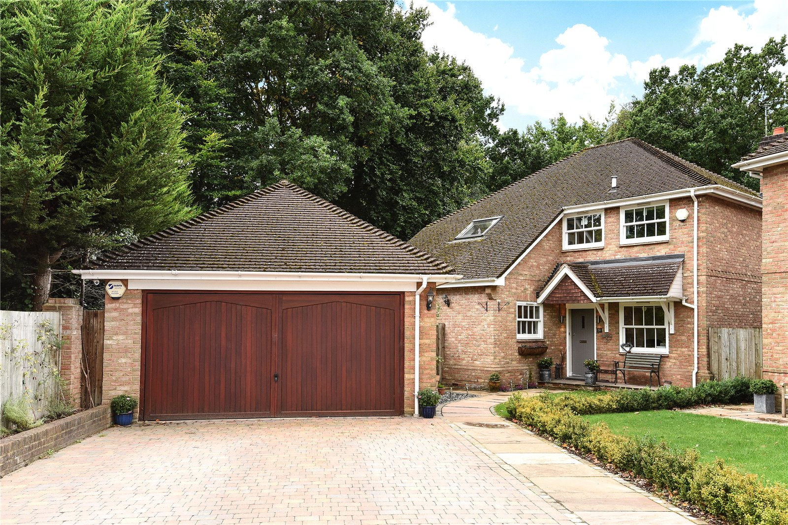 4 Bedrooms Detached House for sale in France Hill Drive, Camberley, Surrey, GU15
