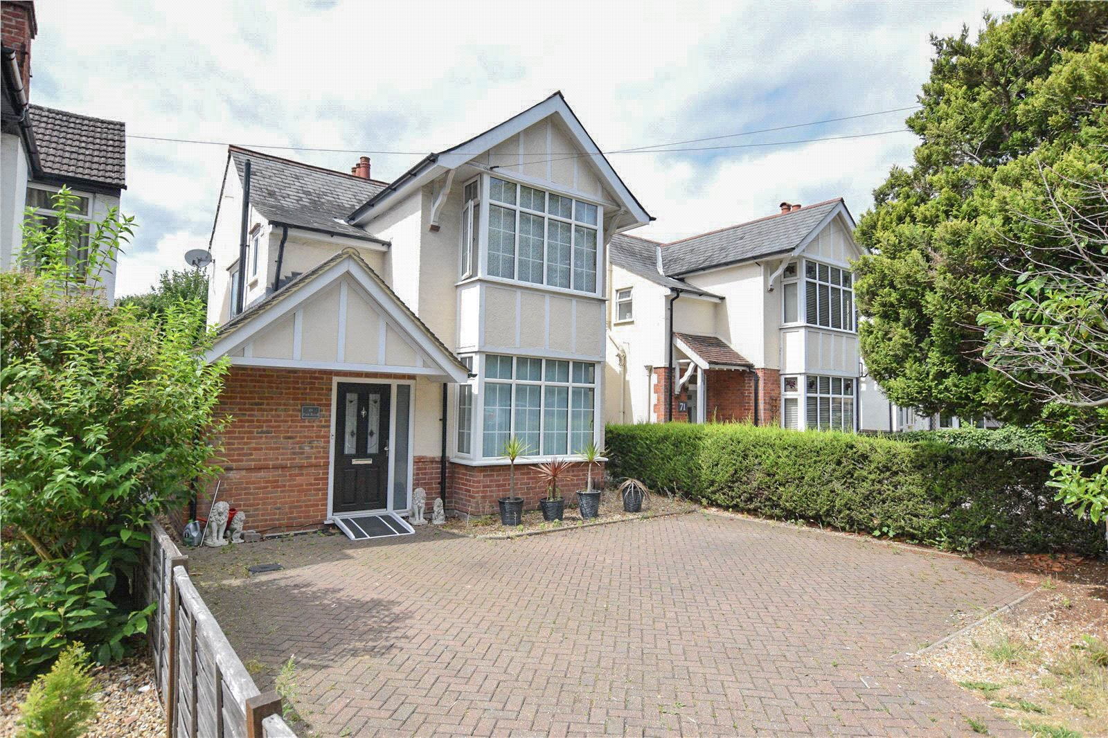 3 Bedrooms Detached House for sale in Park Road, Camberley, Surrey, GU15