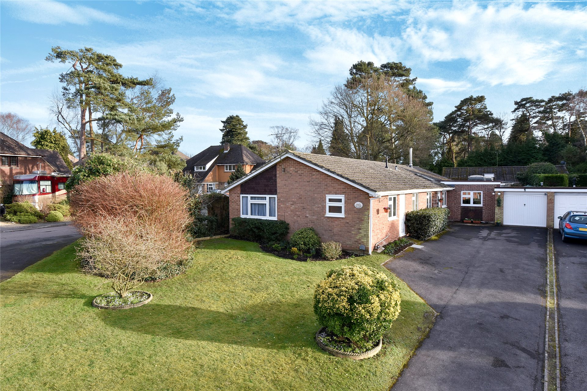 5 Bedrooms Detached Bungalow for sale in The Spinney, Camberley, Surrey, GU15