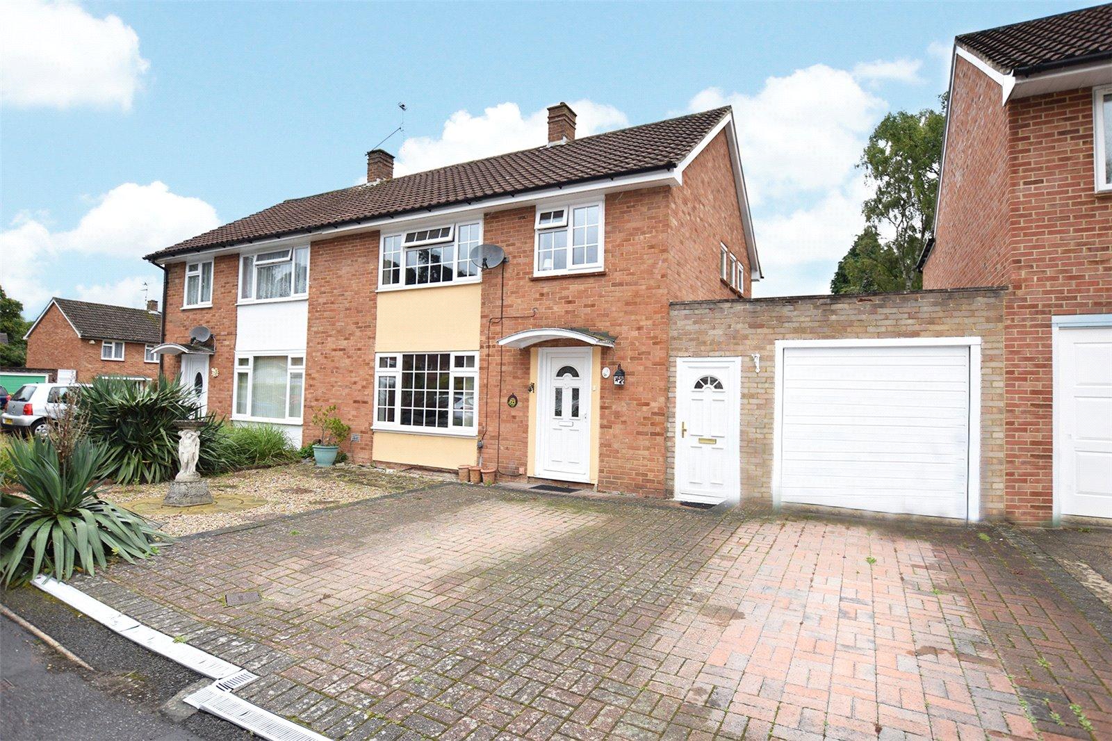 3 Bedrooms Semi Detached House for sale in Timline Green, Bracknell, Berkshire, RG12