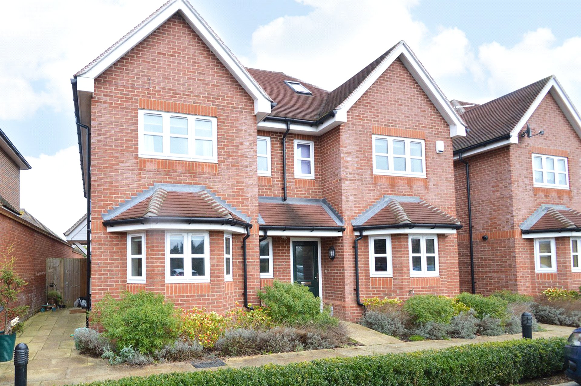 3 Bedrooms Semi Detached House for sale in Longwood Mews, Maidenhead, Berkshire, SL6