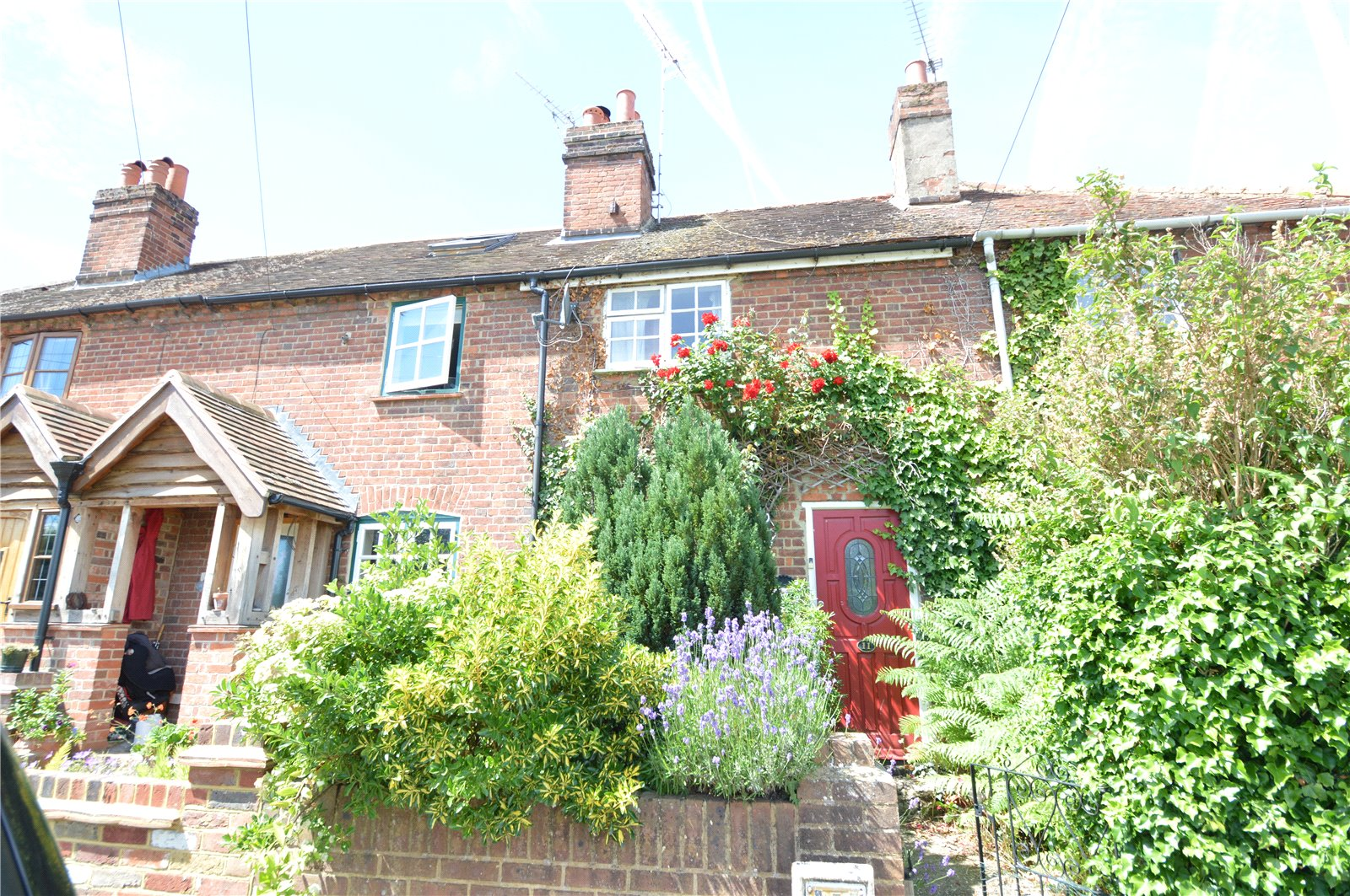 2 Bedrooms Terraced House for sale in North Town Moor, Maidenhead, Berkshire, SL6