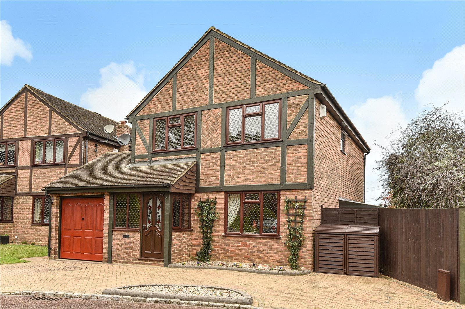 4 Bedrooms Detached House for sale in Darleydale Close, Owlsmoor, Sandhurst, Berkshire, GU47