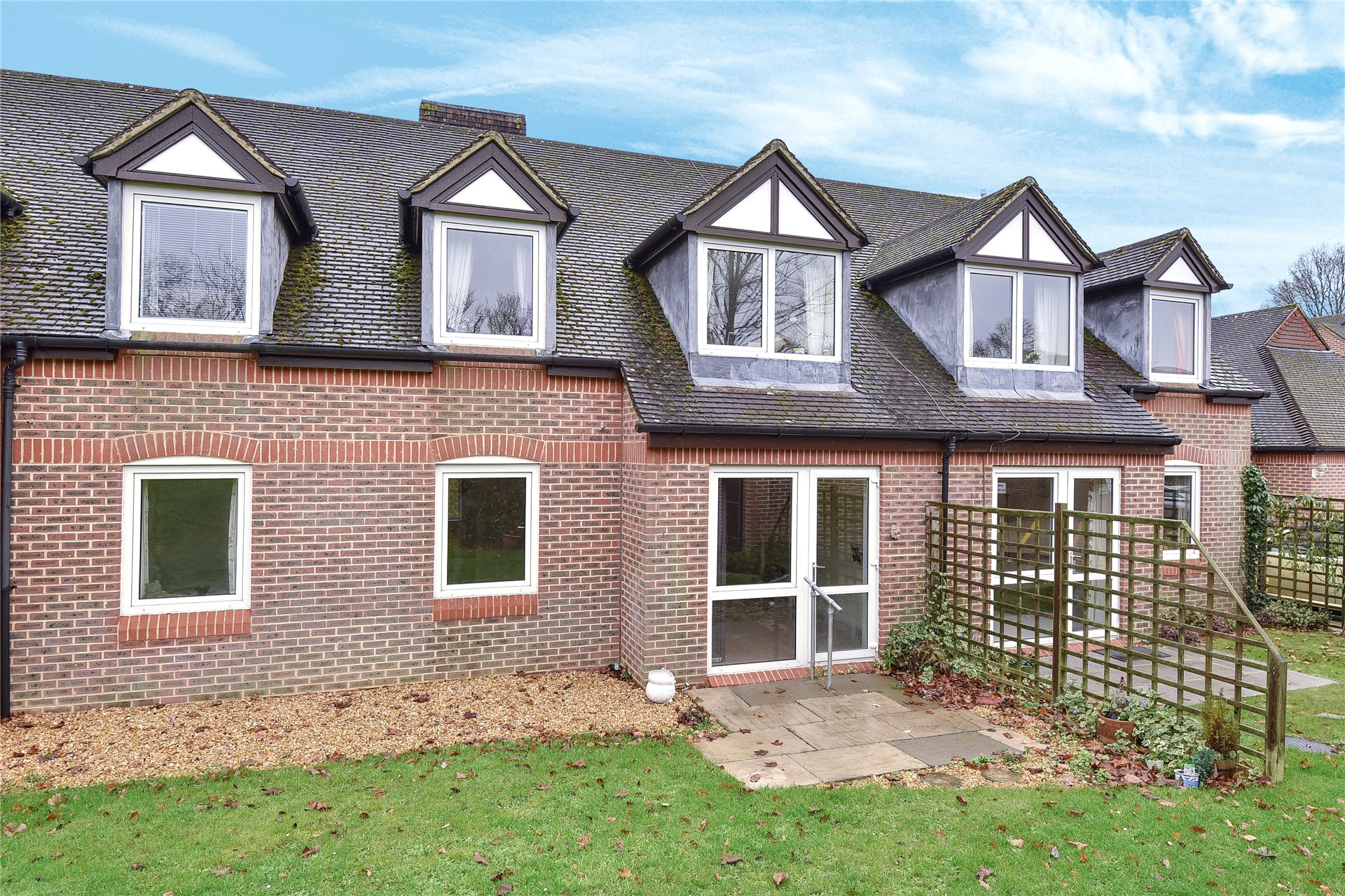 1 Bedroom Apartment Flat for sale in McKernan Court, High Street, Sandhurst, Berkshire, GU47
