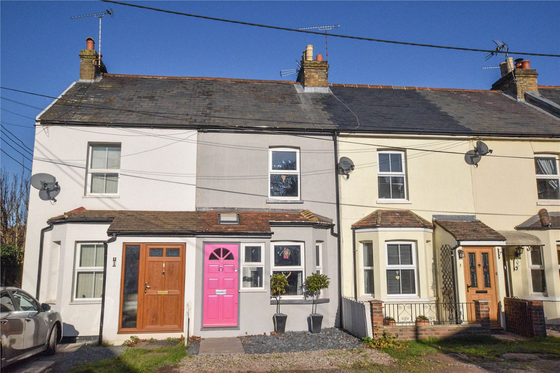2 Bedrooms Terraced House for sale in Salisbury Terrace, Mytchett, Camberley, Surrey, GU16