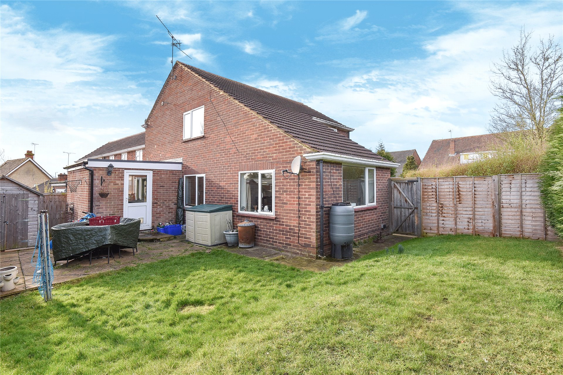 3 Bedrooms Detached House for sale in Caves Farm Close, Sandhurst, Berkshire, GU47