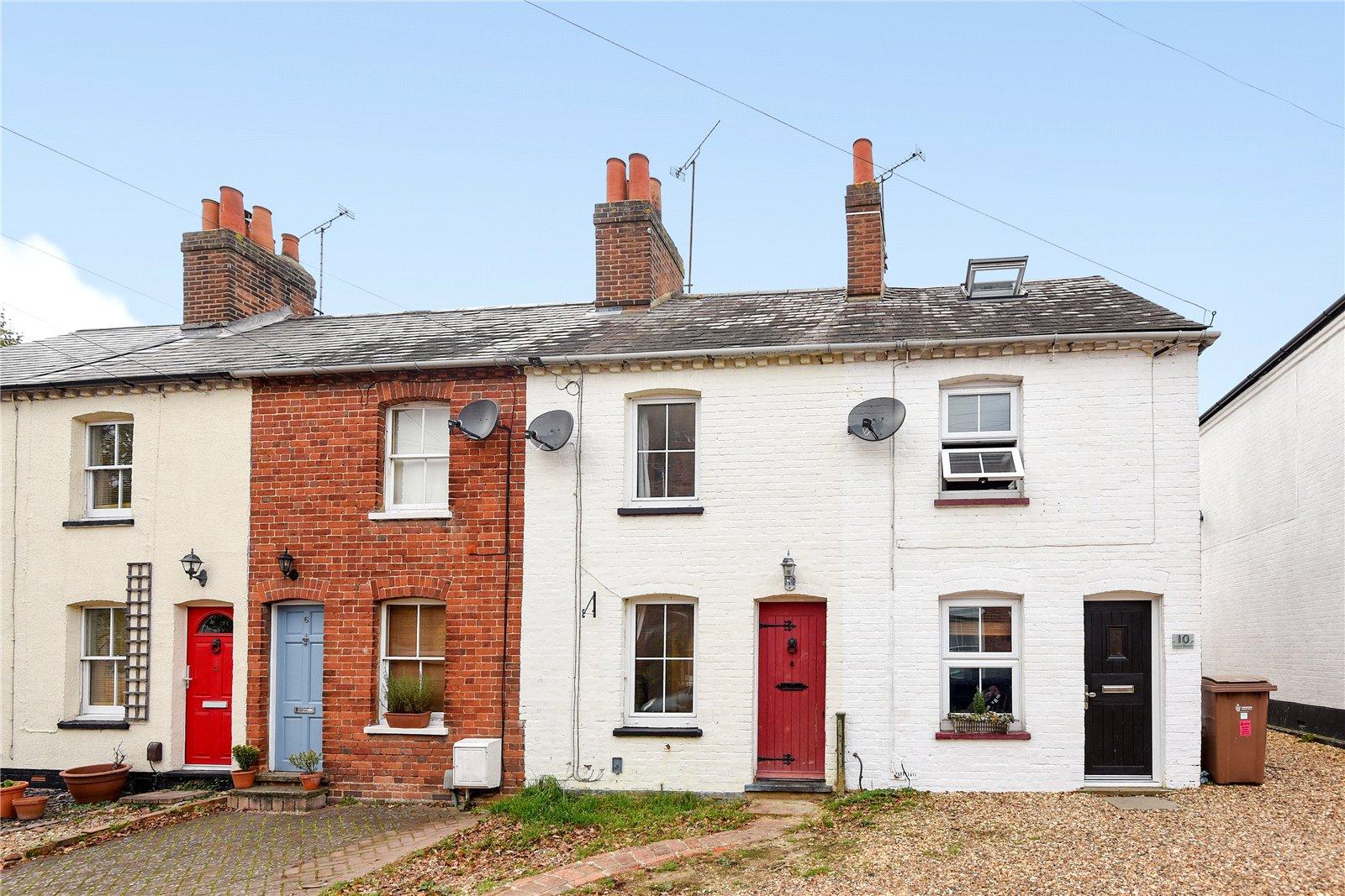 2 Bedrooms Terraced House for sale in Mount Pleasant, Wokingham, Berkshire, RG41