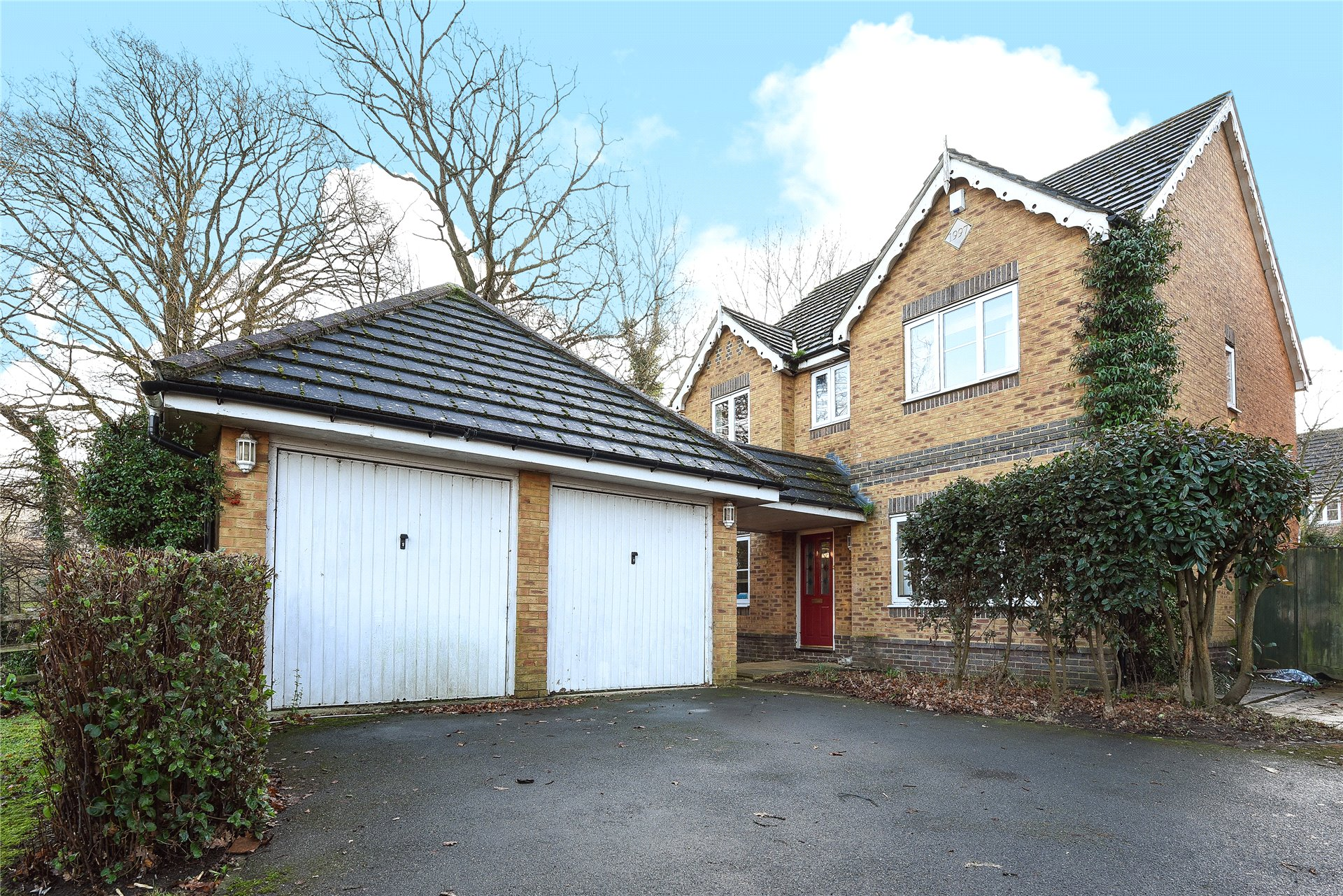 4 Bedrooms Detached House for sale in Darby Vale, Warfield, Berkshire, RG42