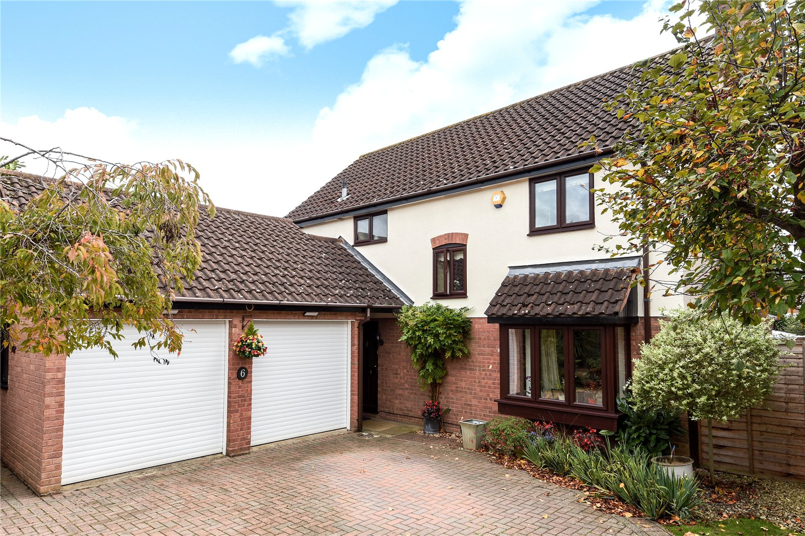 4 Bedrooms Detached House for sale in Cambridgeshire Close, Wokingham, Berkshire, RG41