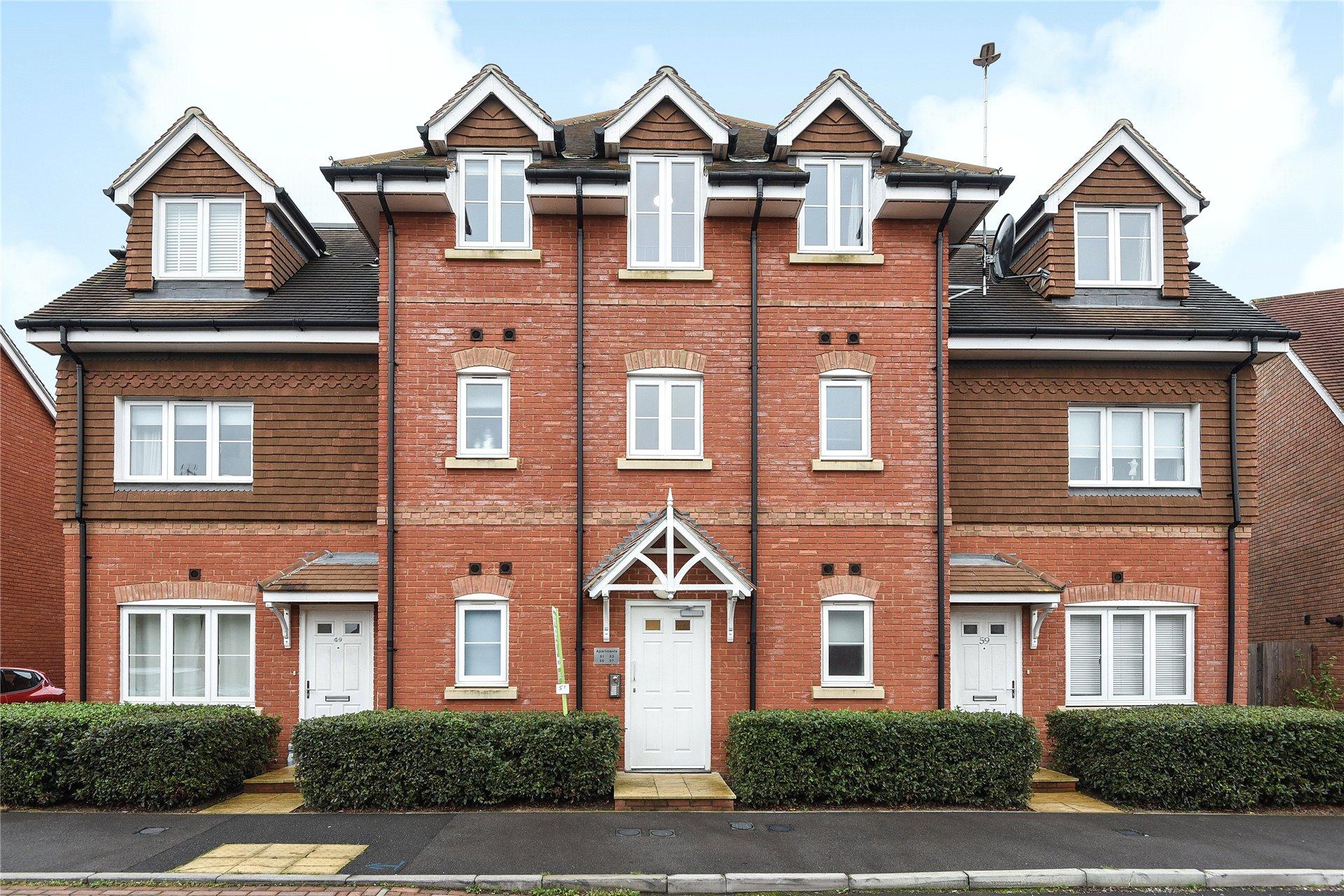 2 Bedrooms Apartment Flat for sale in Carina Drive, Wokingham, Berkshire, RG40