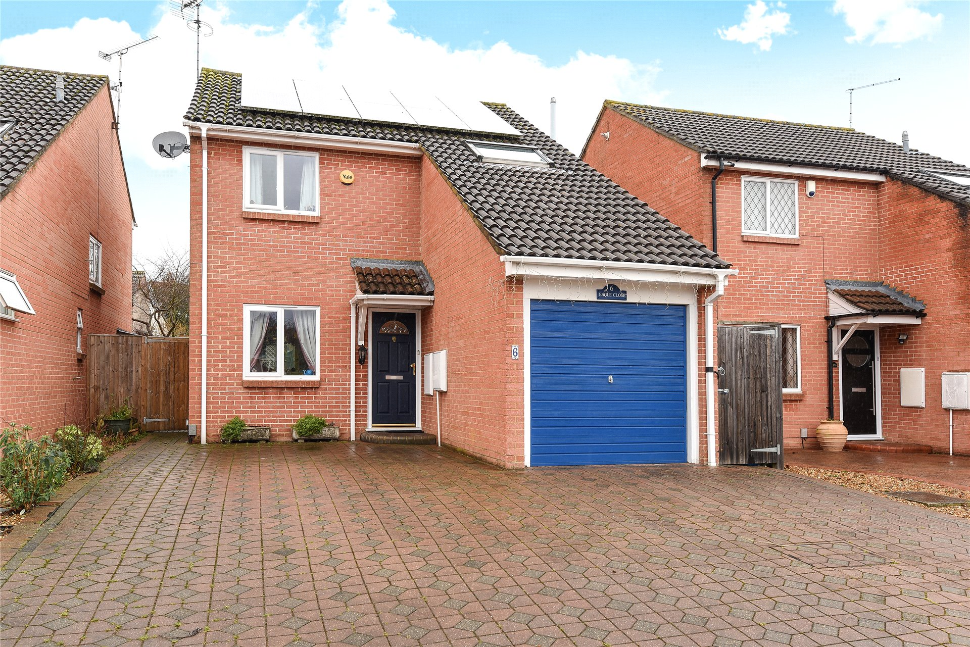 3 Bedrooms Detached House for sale in Eagle Close, Wokingham, Berkshire, RG41