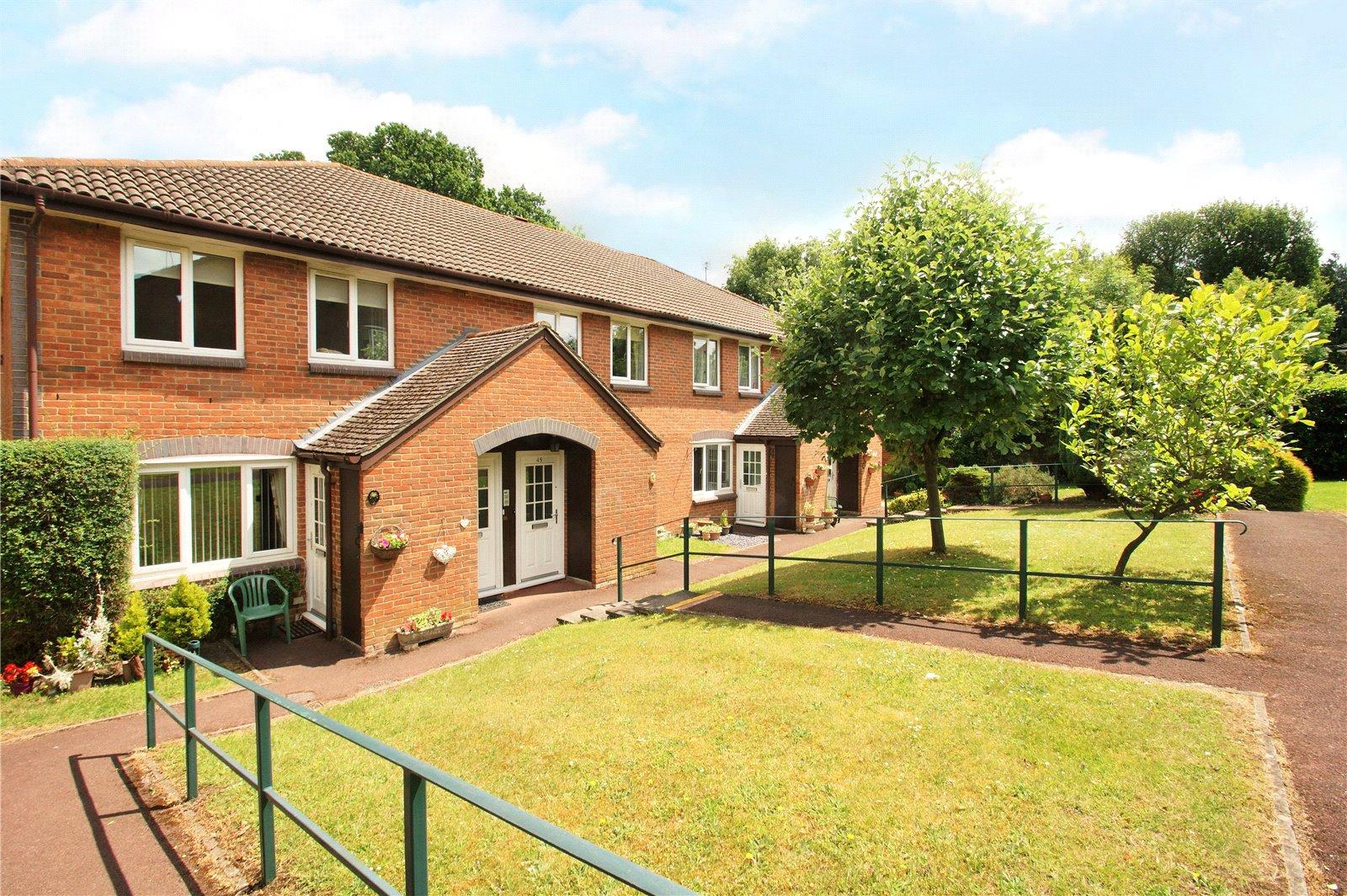 1 Bedroom Maisonette Flat for sale in Acorn Drive, Wokingham, Berkshire, RG40