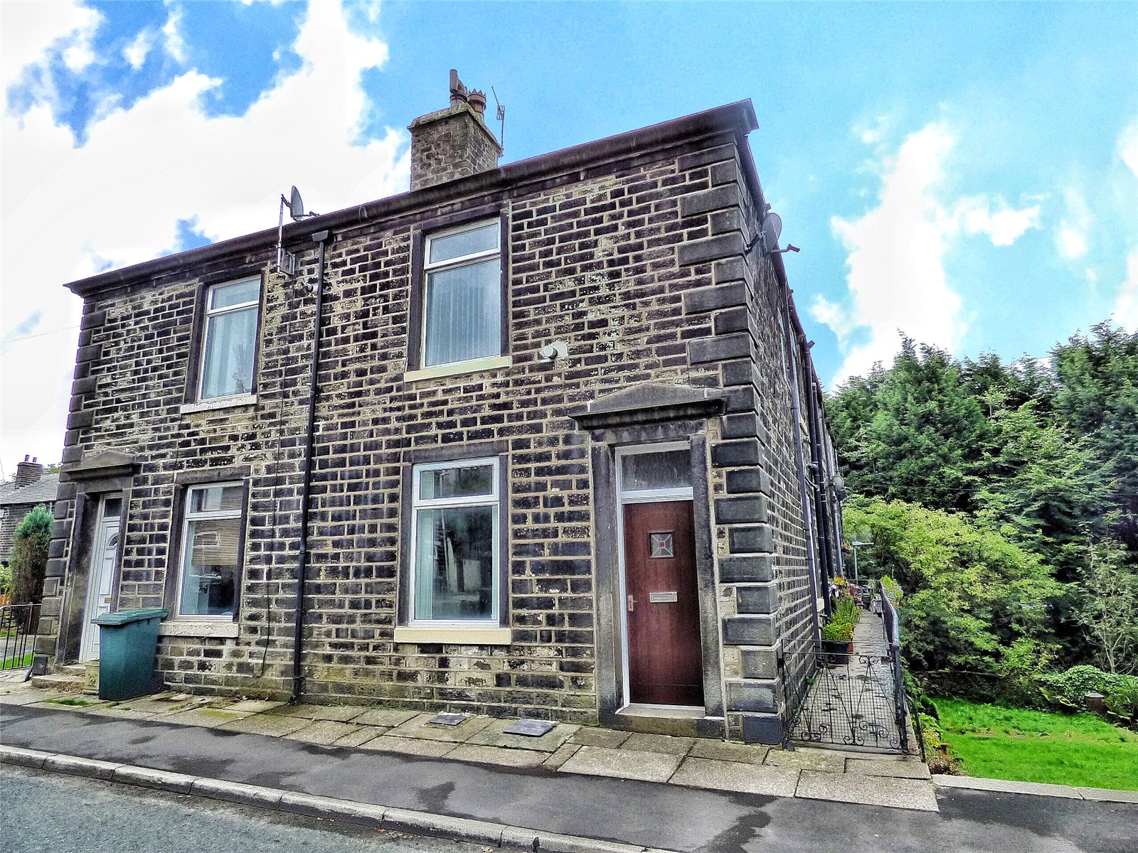 2 Bedrooms Terraced House for sale in Market Street, Shawforth, Rochdale, Lancashire, OL12
