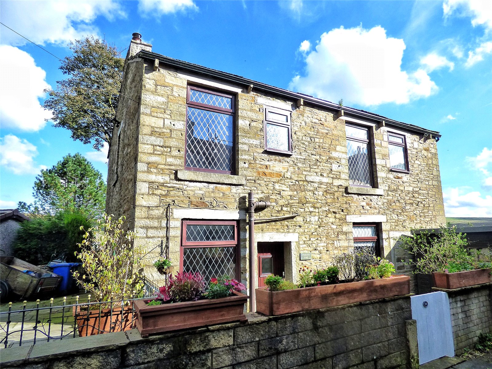 4 Bedrooms Detached House for sale in Halley Street, Bacup, Lancashire, OL13