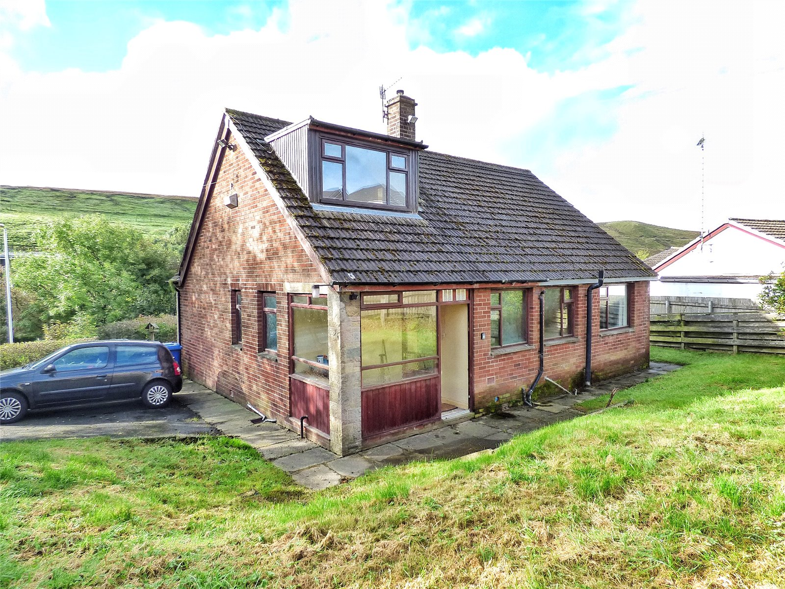 3 Bedrooms Detached Bungalow for sale in New Line, Bacup, Lancashire, OL13