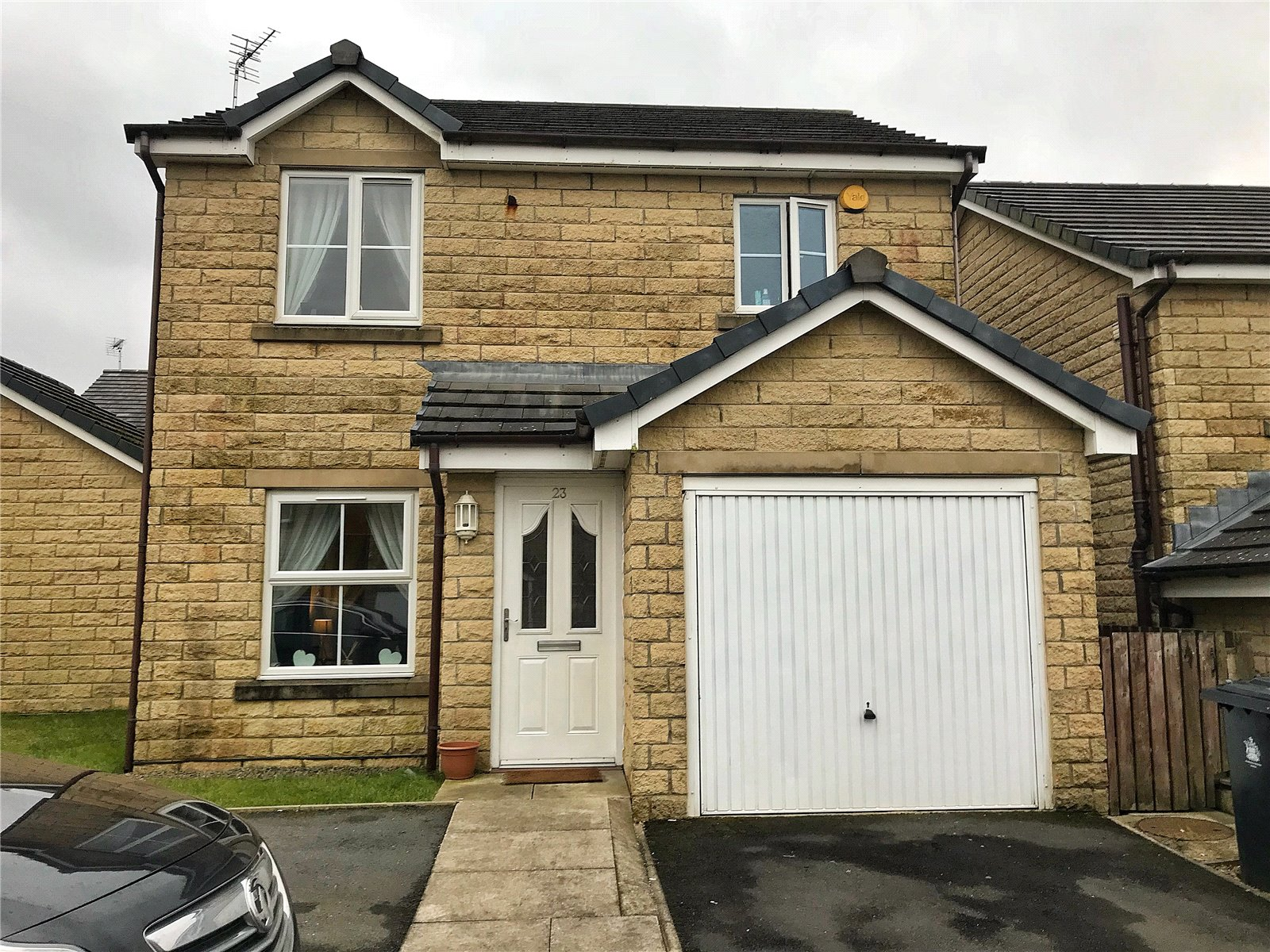 3 Bedrooms Detached House for sale in Brambling Drive, Bacup, Lancashire, OL13