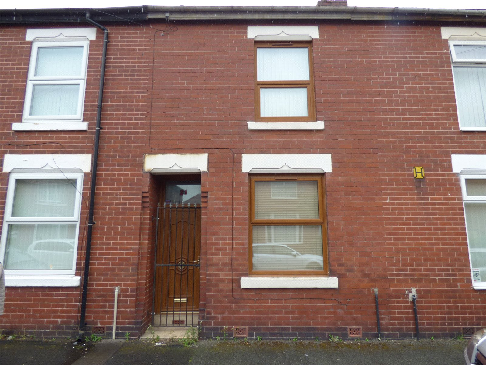 2 Bedrooms Terraced House for sale in Ilkley Street, Moston, Manchester, M40
