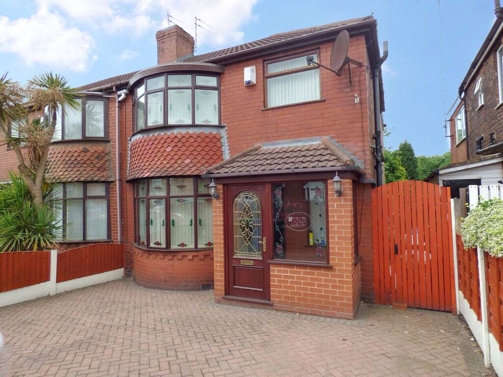 3 Bedrooms Semi Detached House for sale in St Marys Road, Moston, Manchester, M40