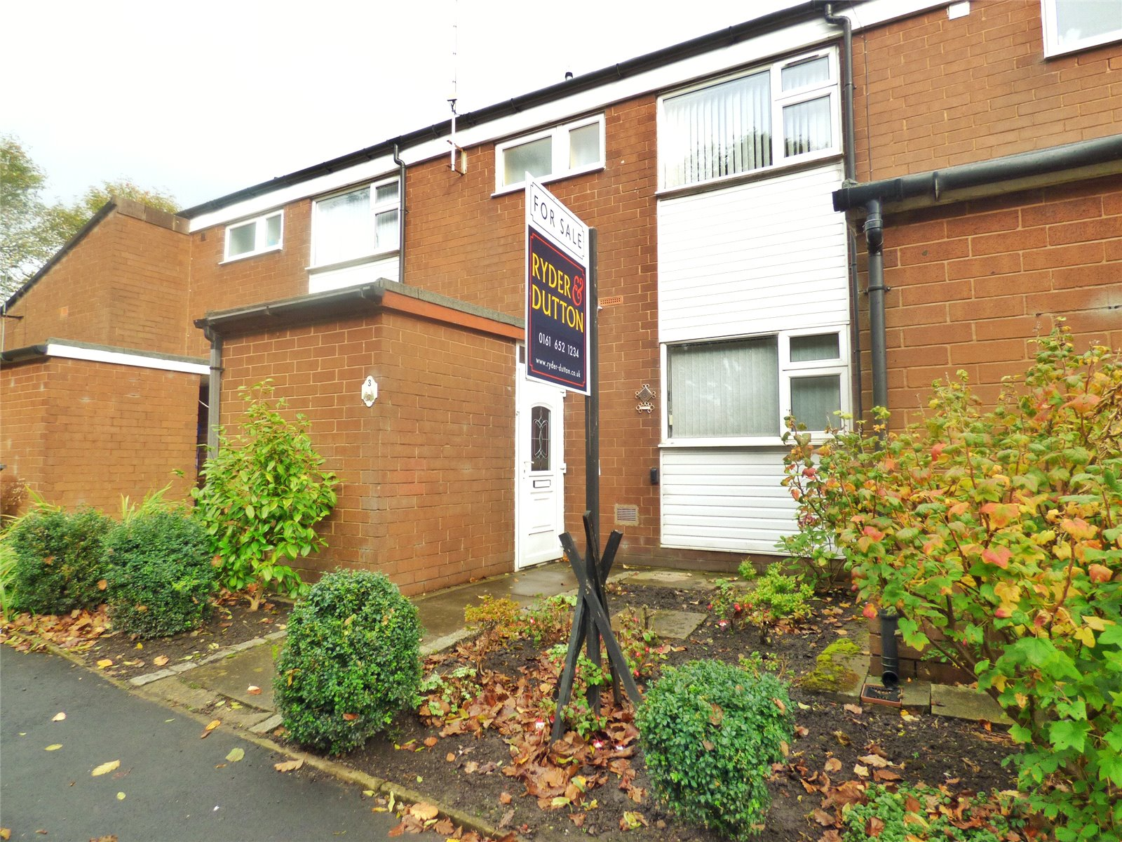2 Bedrooms Terraced House for sale in Merlin Close, Bardsley, Oldham, Greater Manchester, OL8