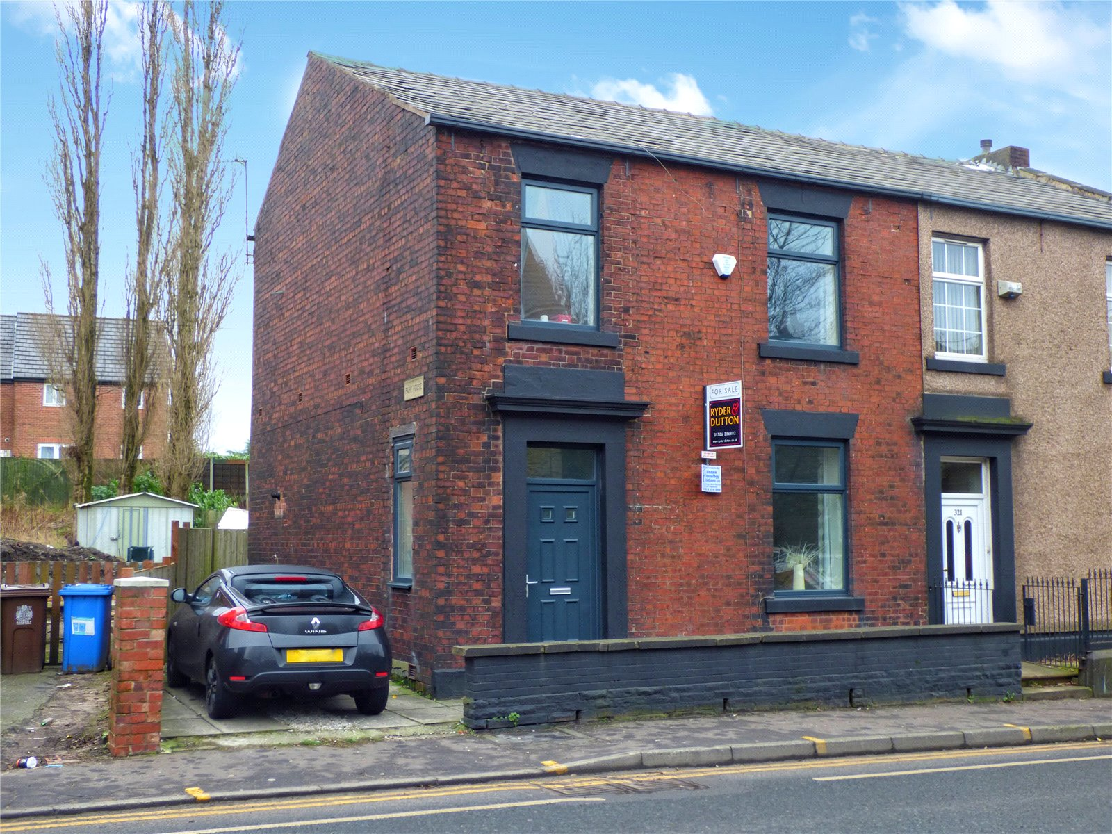 3 Bedrooms End Of Terrace House for sale in Milnrow Road, Rochdale, Greater Manchester, OL16
