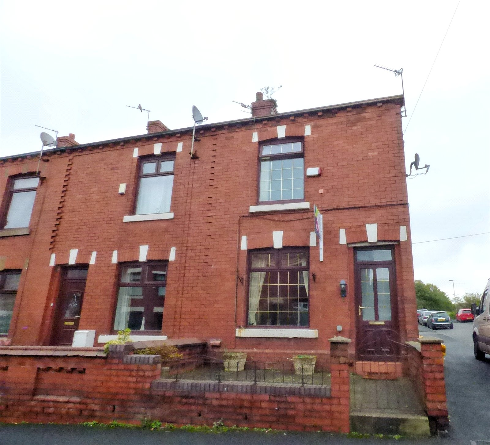 2 Bedrooms End Of Terrace House for sale in Hebron Street, Royton, Oldham, Greater Manchester, OL2
