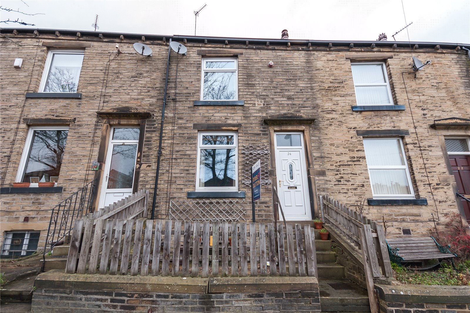 2 Bedrooms Terraced House for sale in Emscote Street South, Savile Park, HALIFAX, West Yorkshire, HX1